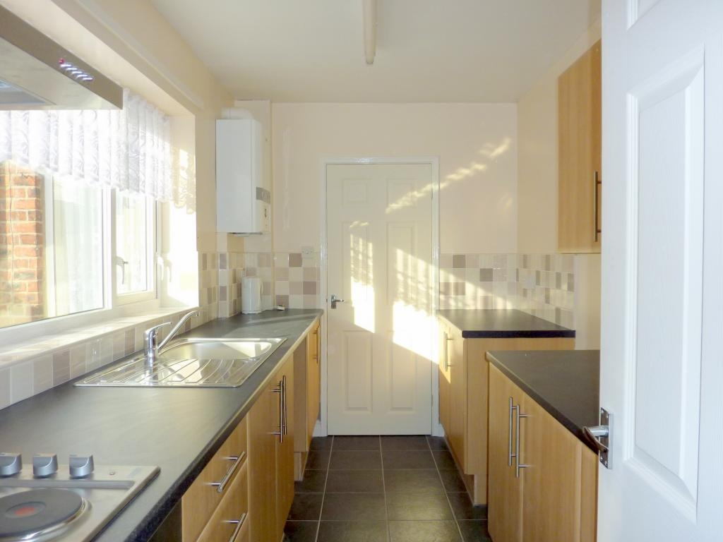 2 bedroom mid terraced house For Sale in Bishop Auckland - Photograph 4.