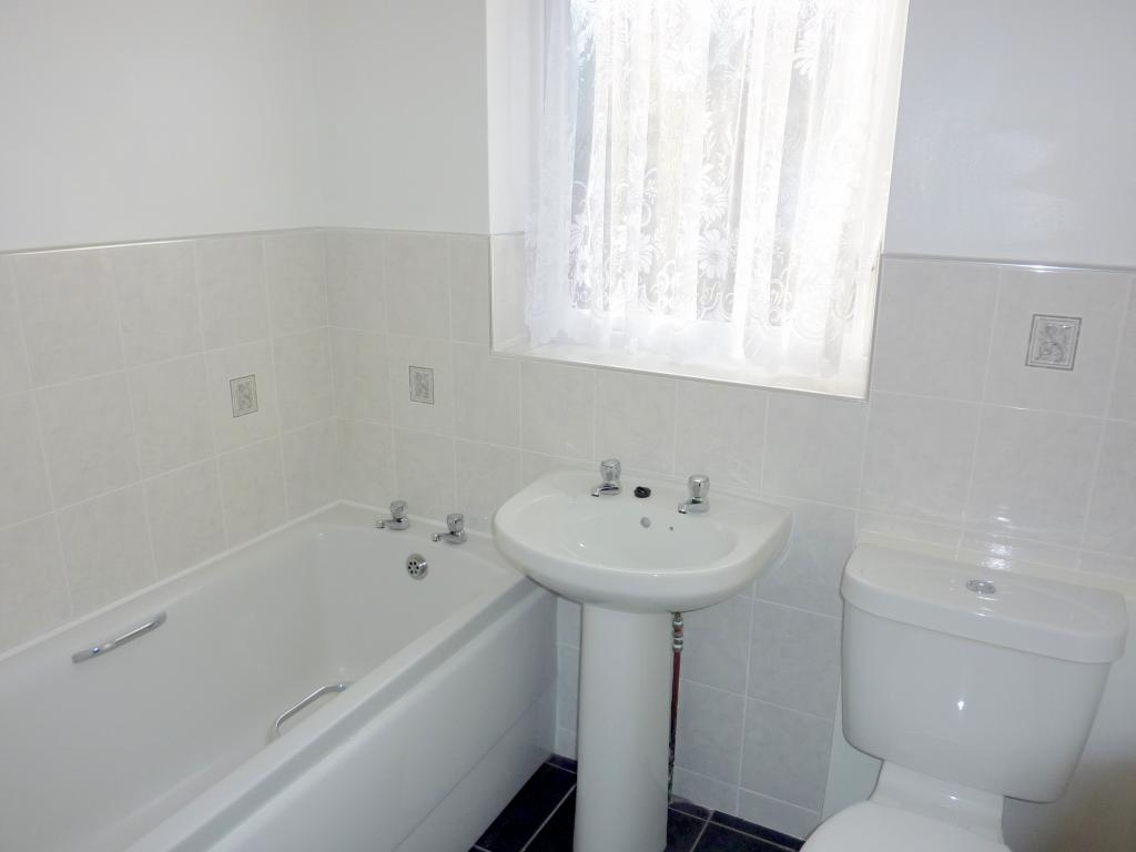 2 bedroom mid terraced house For Sale in Bishop Auckland - Photograph 5.