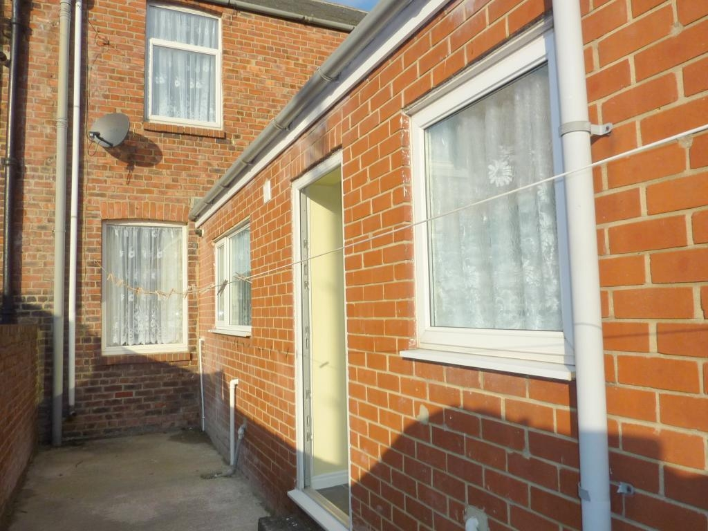 2 bedroom mid terraced house For Sale in Bishop Auckland - Photograph 8.