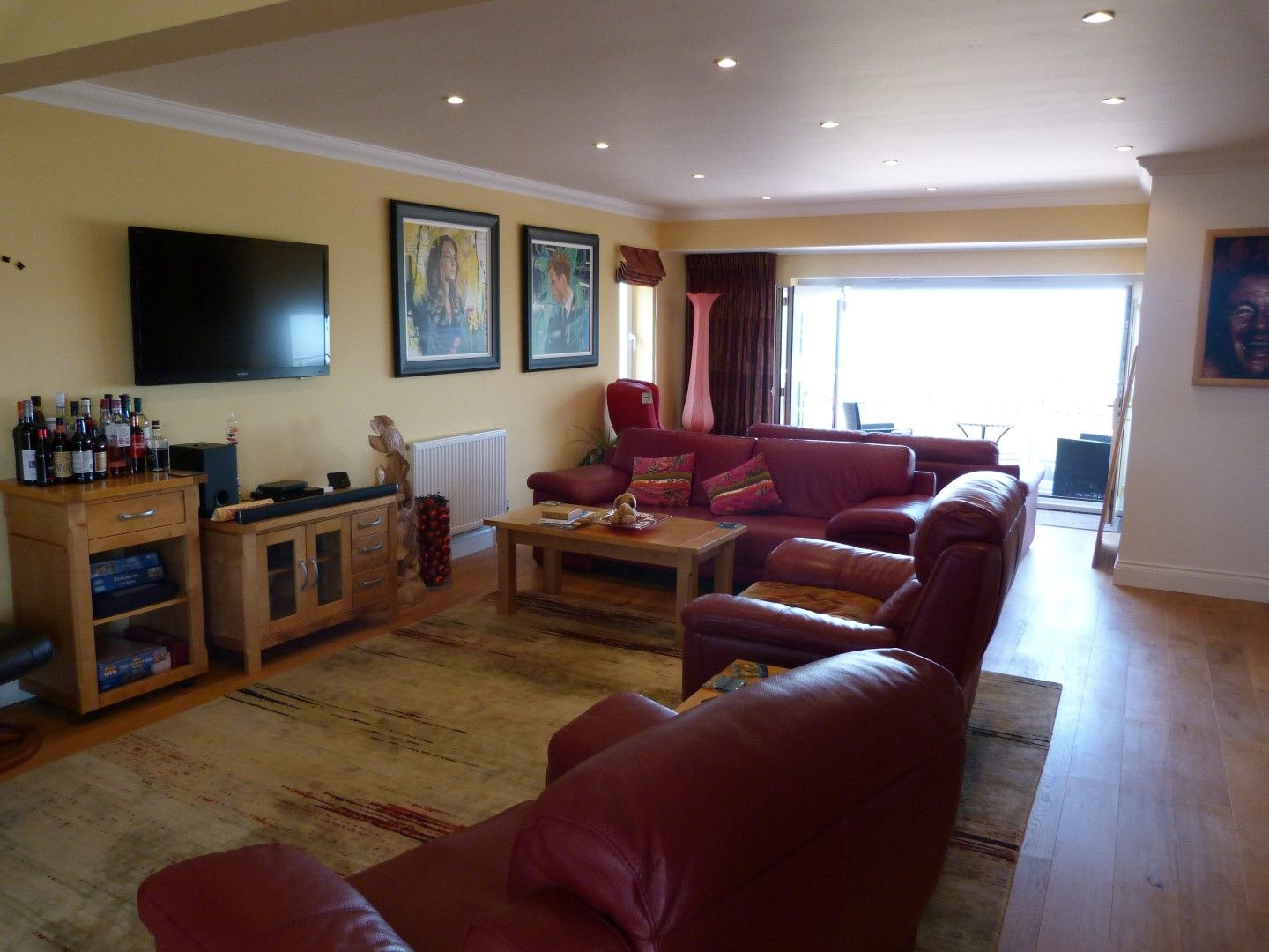 4 bedroom detached house For Sale in Broadstairs - Photograph 7