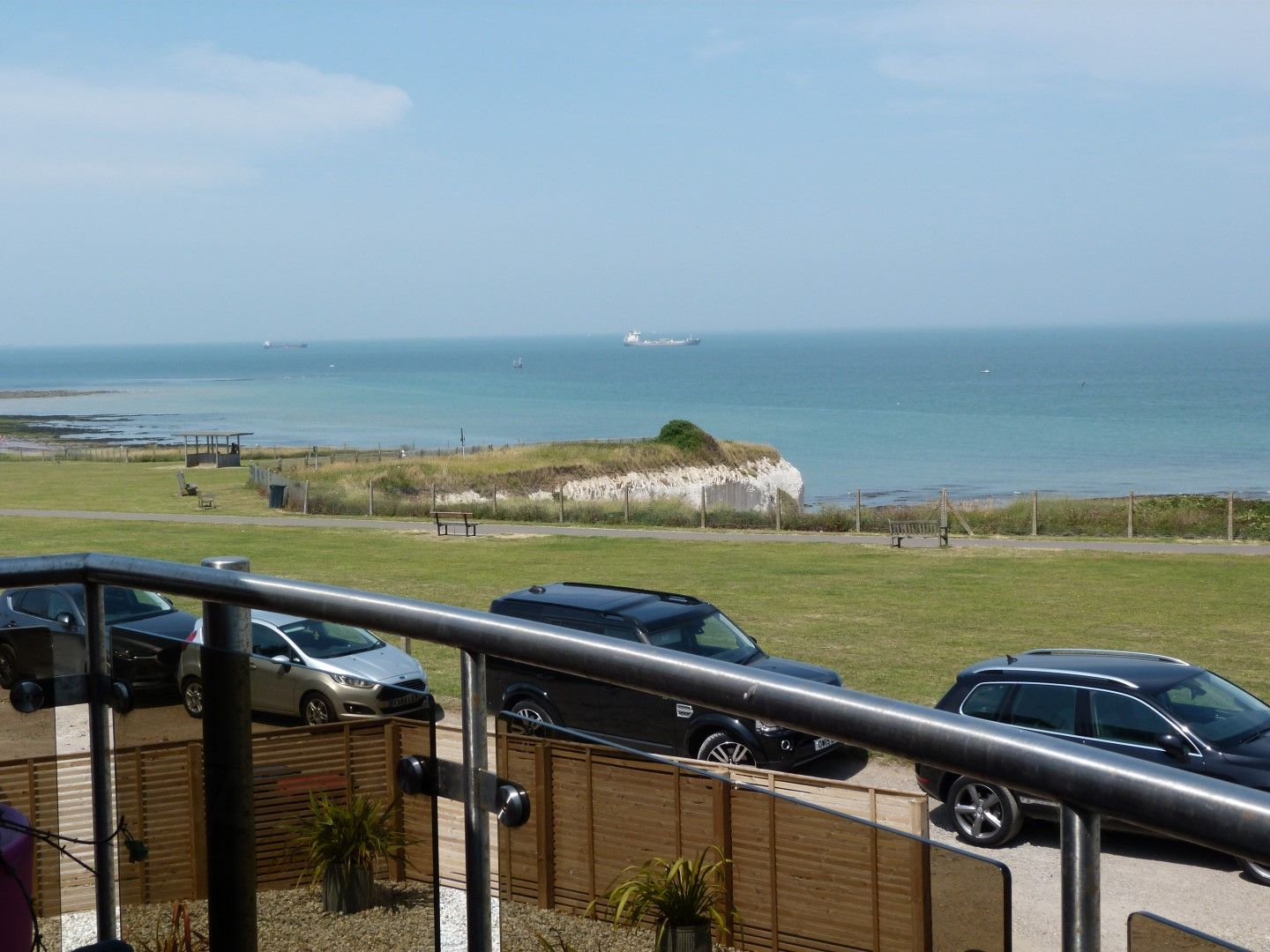 4 bedroom detached house For Sale in Broadstairs - Photograph 9
