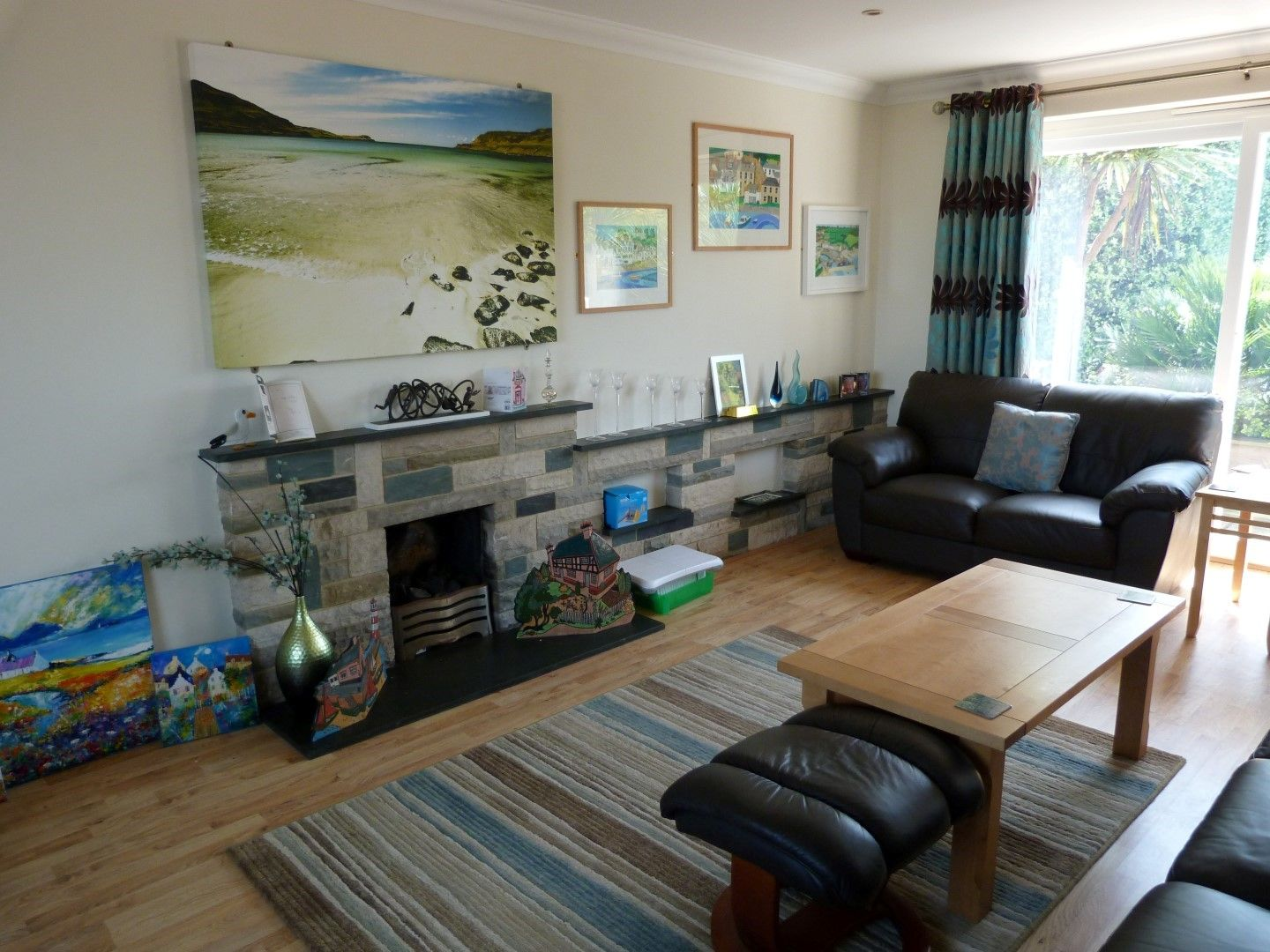 4 bedroom detached house For Sale in Broadstairs - Photograph 2
