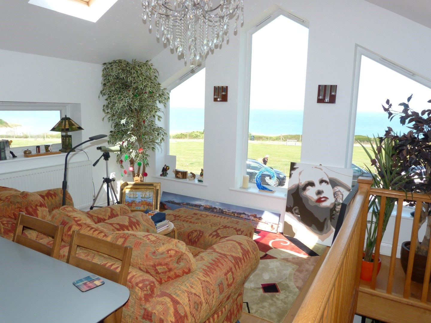 4 bedroom detached house For Sale in Broadstairs - Photograph 6