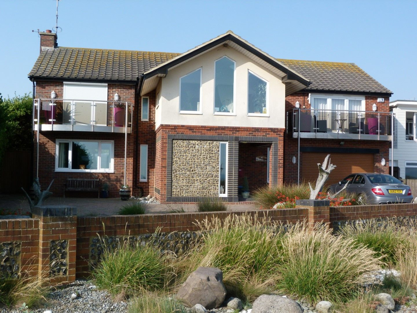 4 bedroom detached house For Sale in Broadstairs - Photograph 1