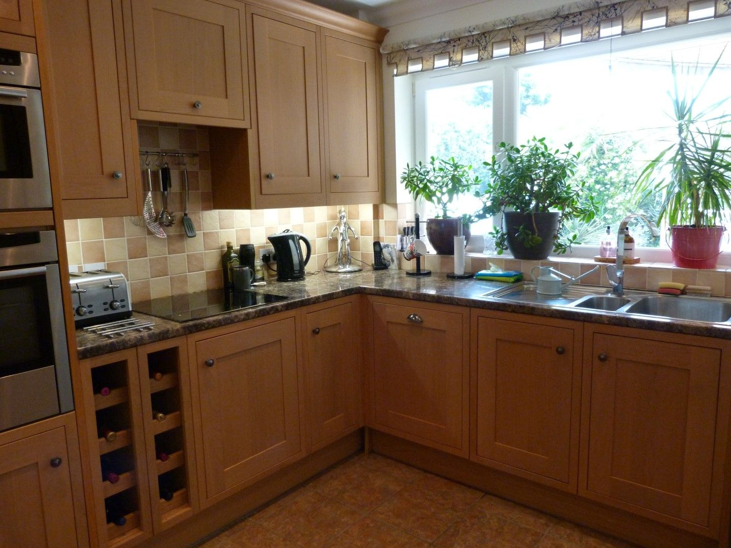 4 bedroom detached house For Sale in Broadstairs - Photograph 4