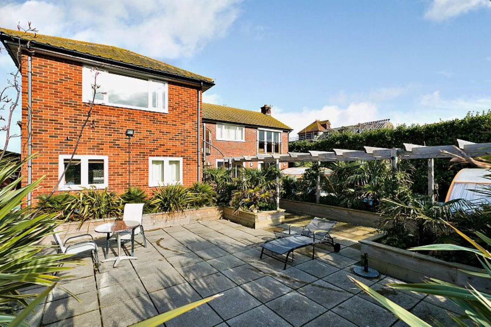 4 bedroom detached house For Sale in Broadstairs - Photograph 10