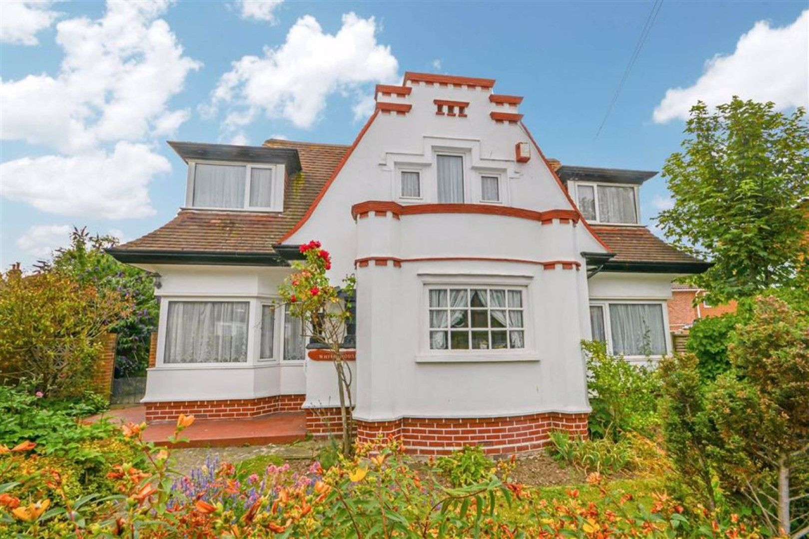 4 bedroom detached house For Sale in Broadstairs - Property photograph
