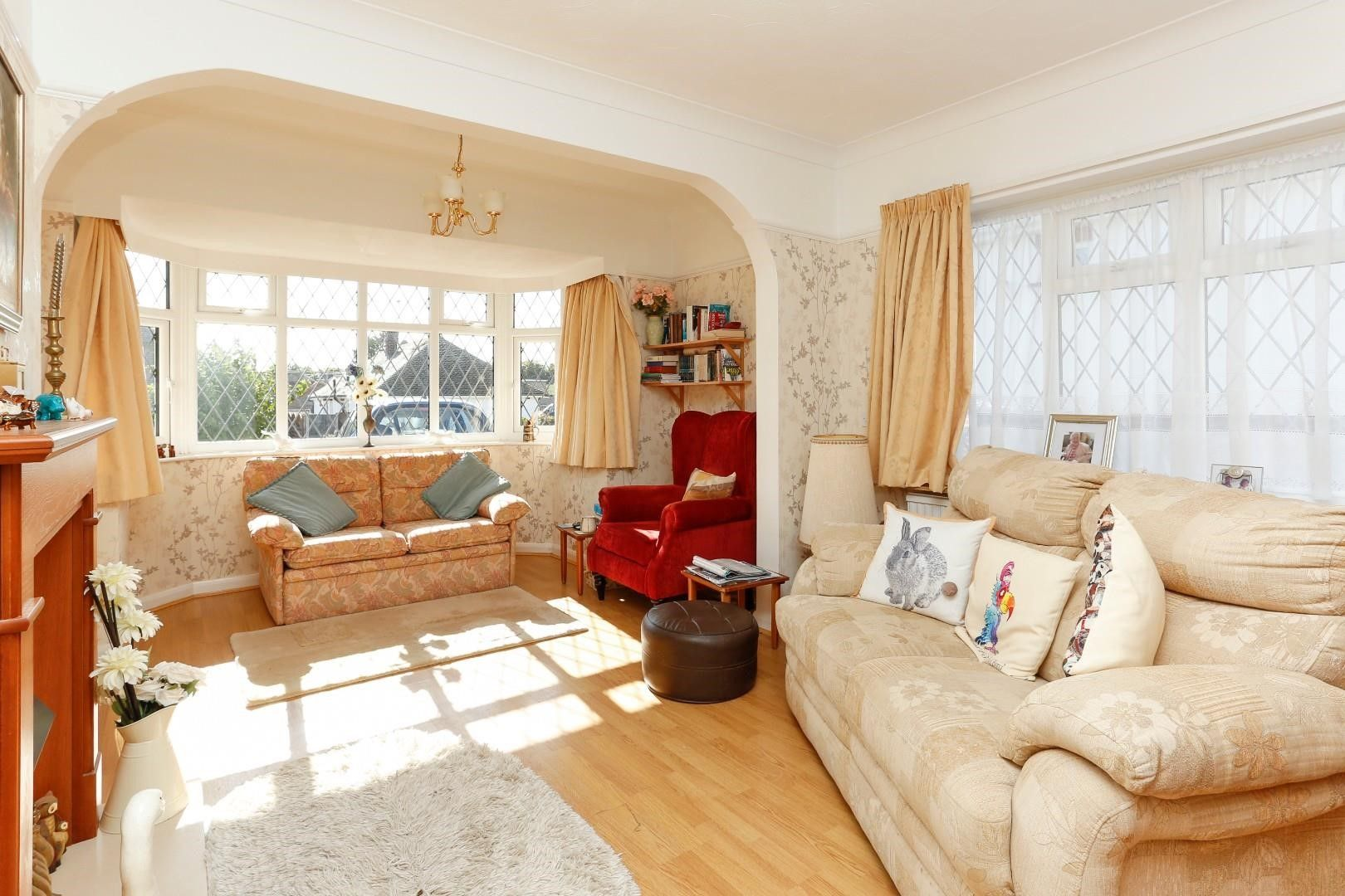 2 bedroom detached bungalow For Sale in Broadstairs - Property photograph