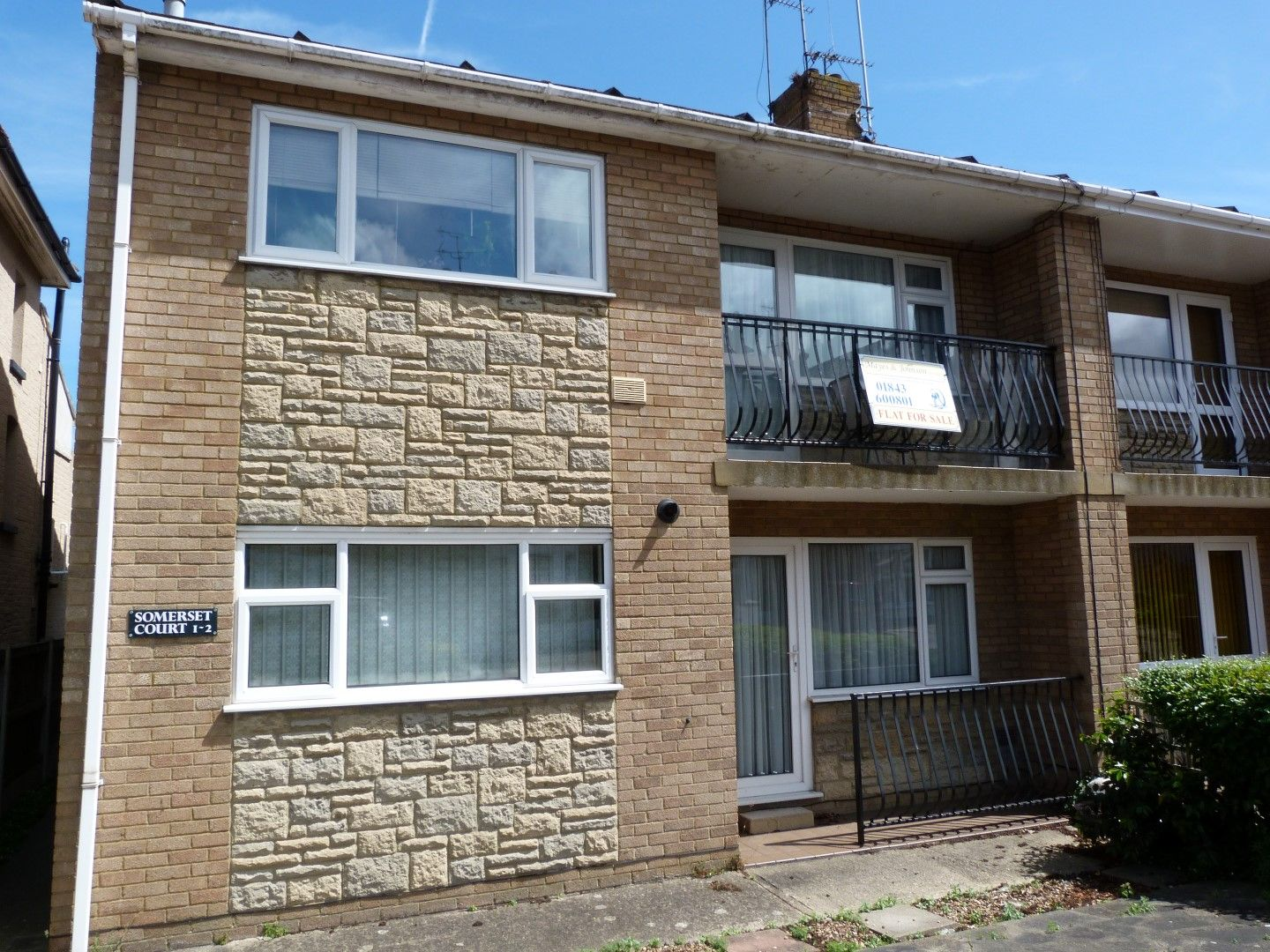 2 bedroom apartment flat/apartment For Sale in Broadstairs - Property photograph