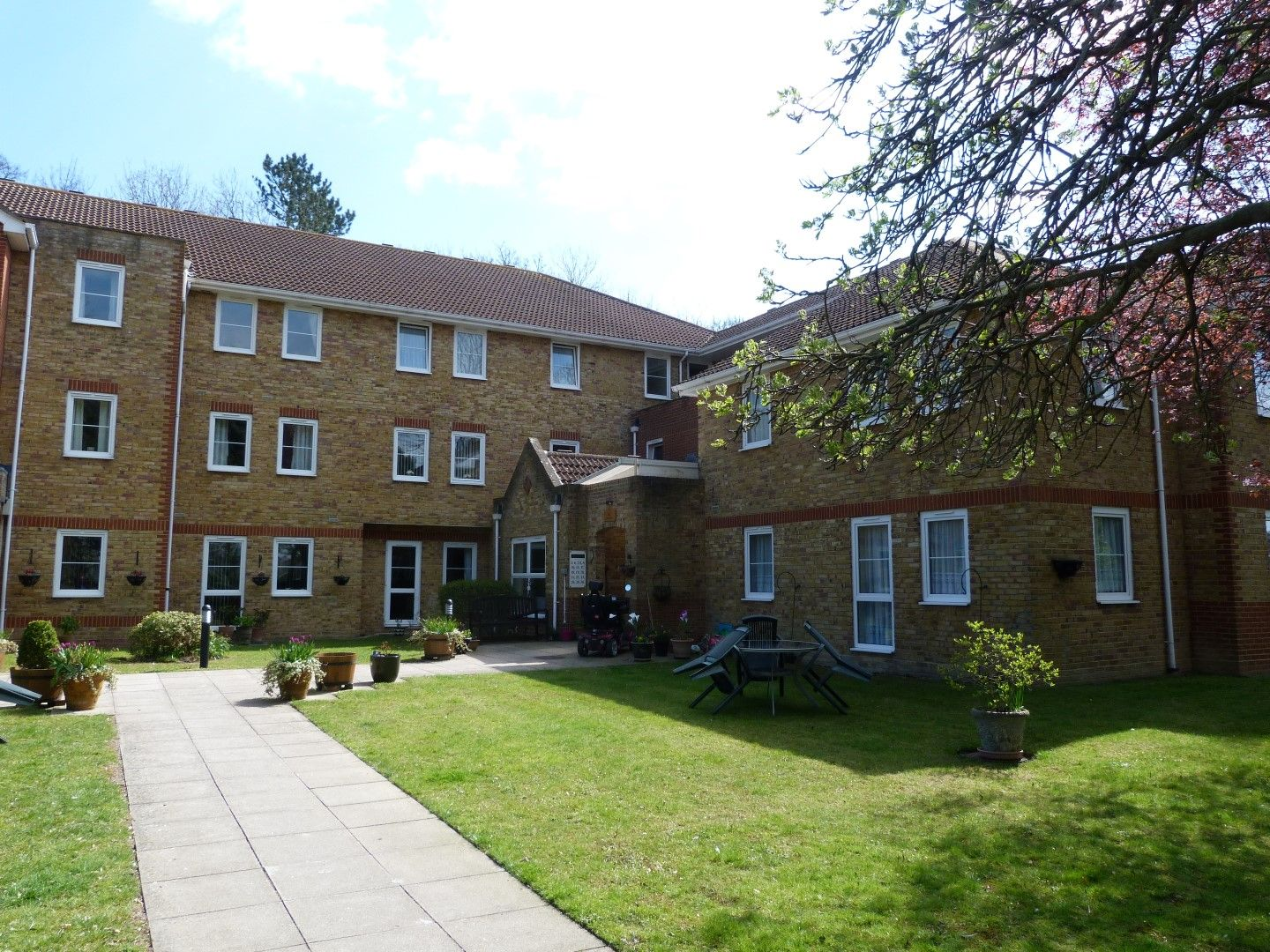 1 bedroom flat flat/apartment For Sale in Broadstairs - Property photograph