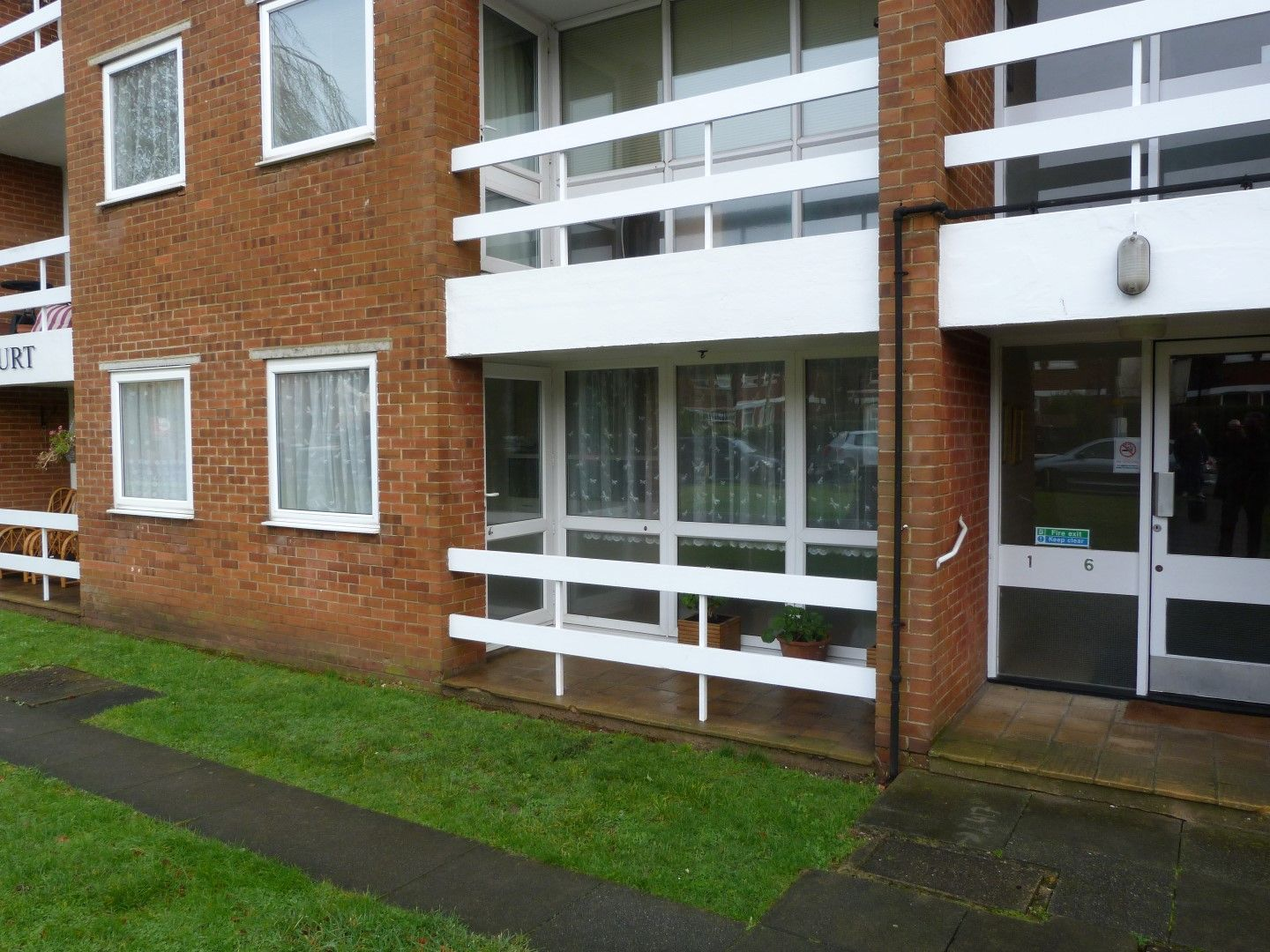 2 bedroom ground floor flat/apartment For Sale in Broadstairs - Property photograph