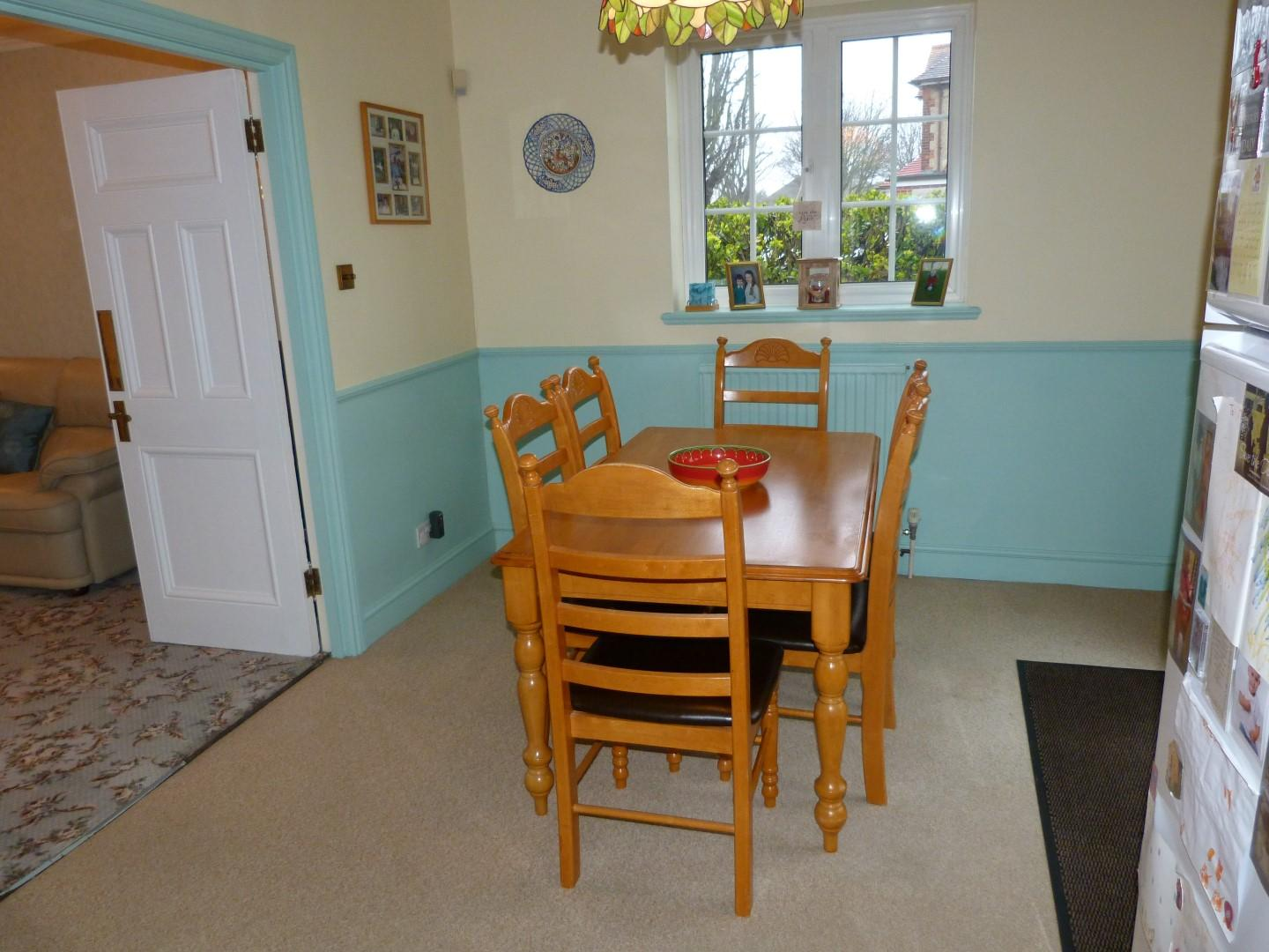5 bedroom semi-detached house For Sale in Margate - Property photograph