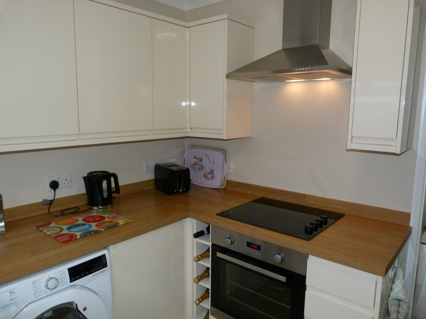 3 bedroom detached bungalow For Sale in Broadstairs - Property photograph