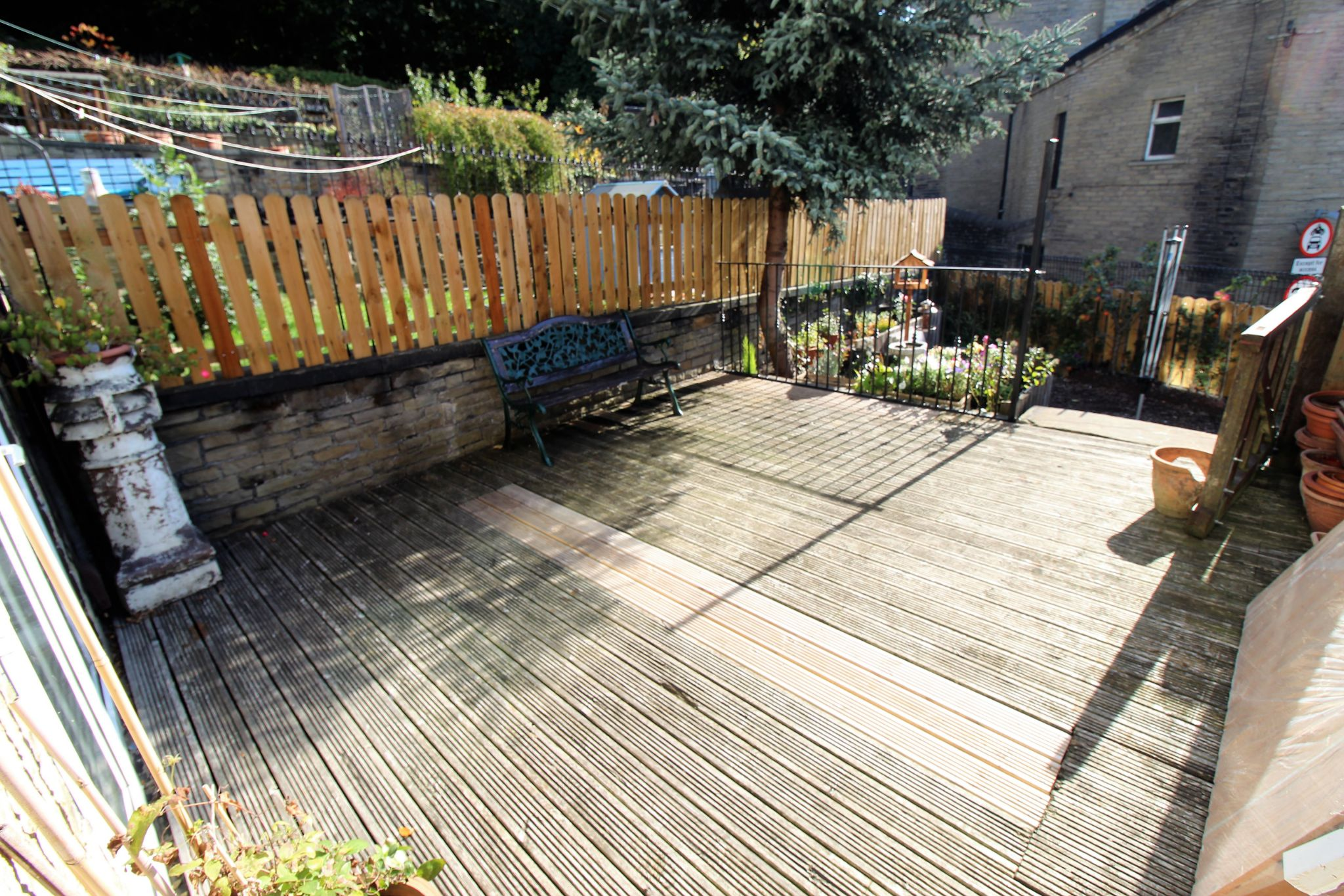 2 bedroom end terraced house For Sale in Brighouse - Decking area