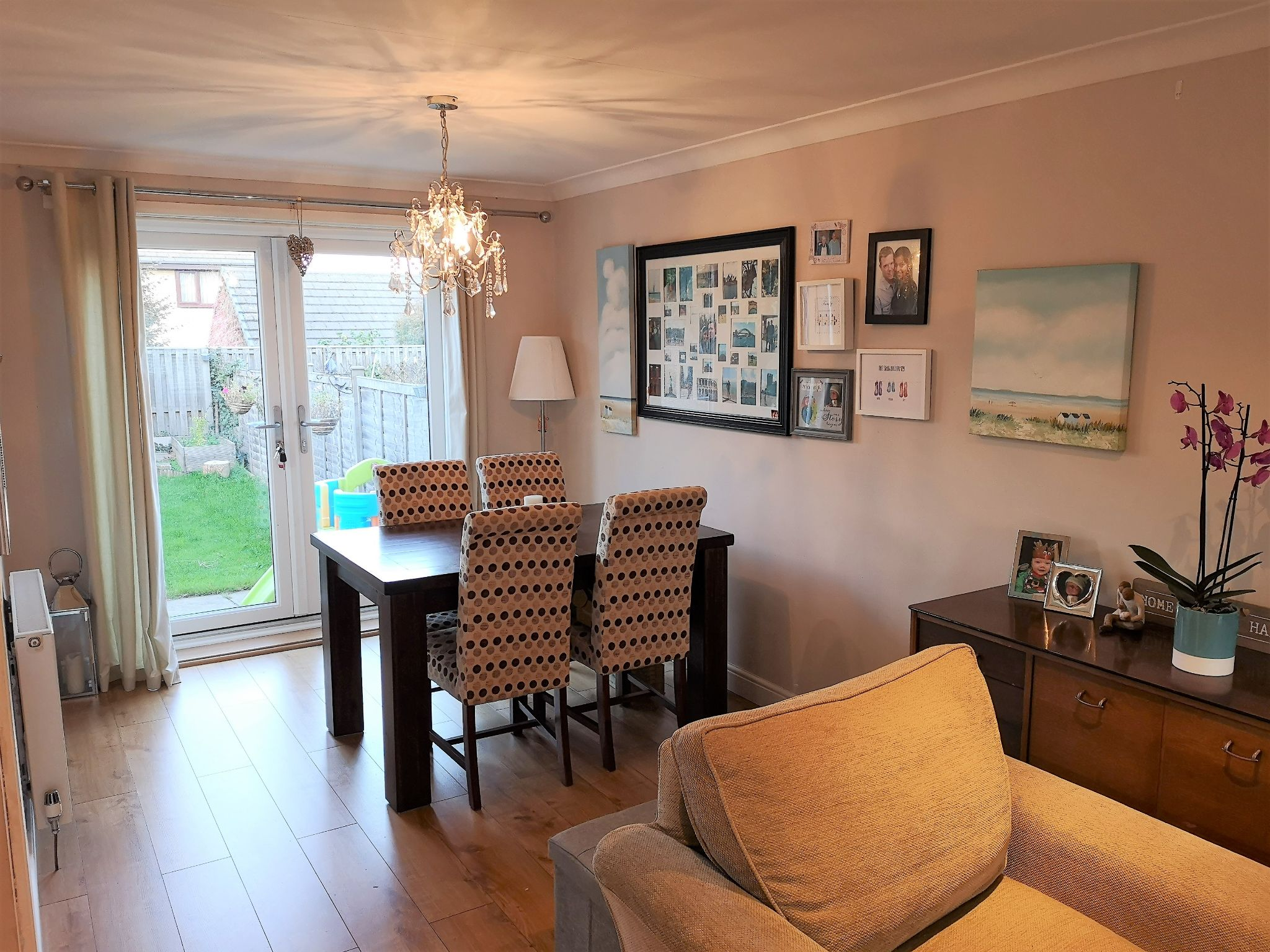 3 bedroom semi-detached house SSTC in Huddersfield - Photograph 4