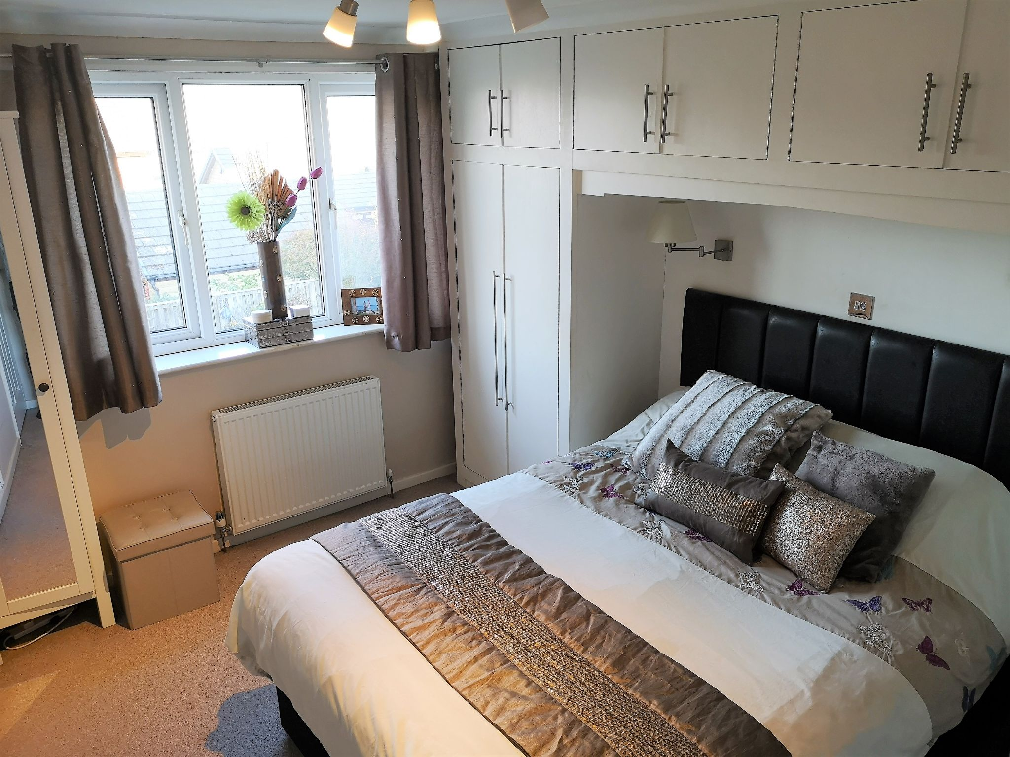 3 bedroom semi-detached house SSTC in Huddersfield - Photograph 10