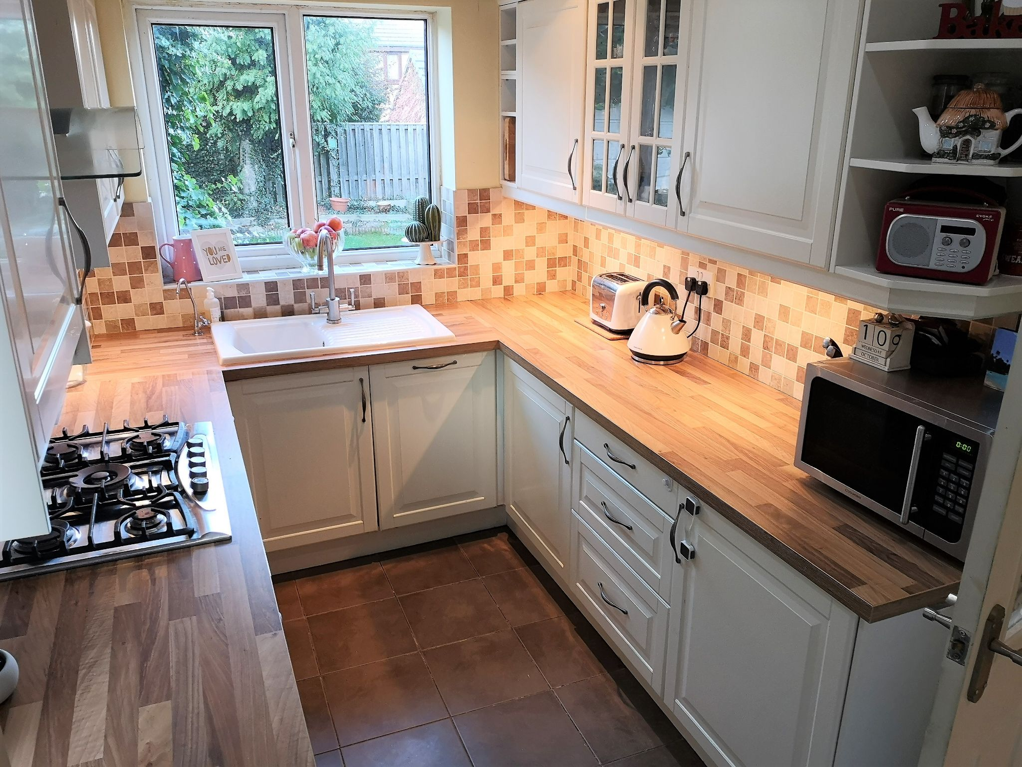 3 bedroom semi-detached house SSTC in Huddersfield - Photograph 8