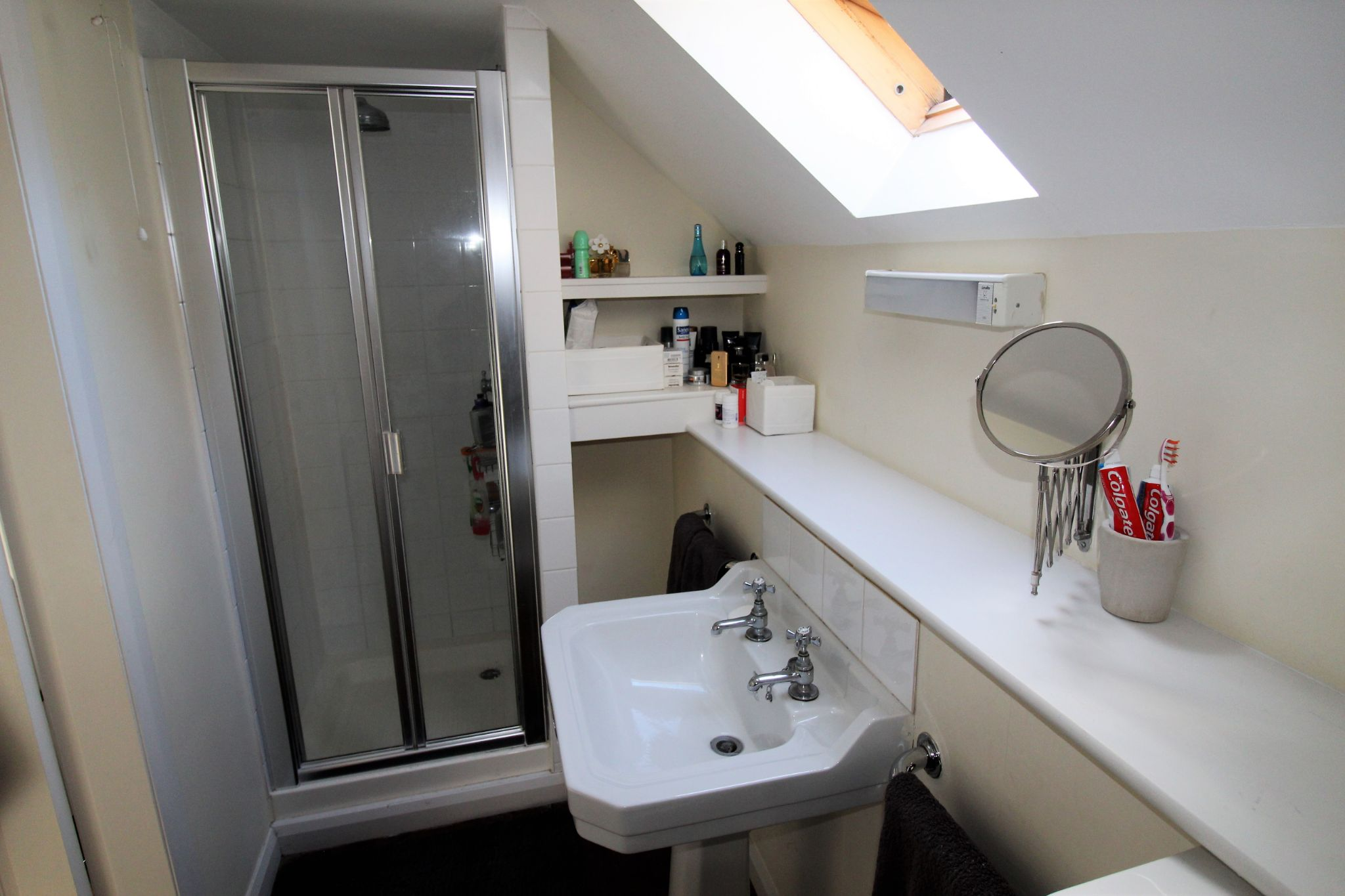 3 bedroom detached house Let in Brighouse - En-suite