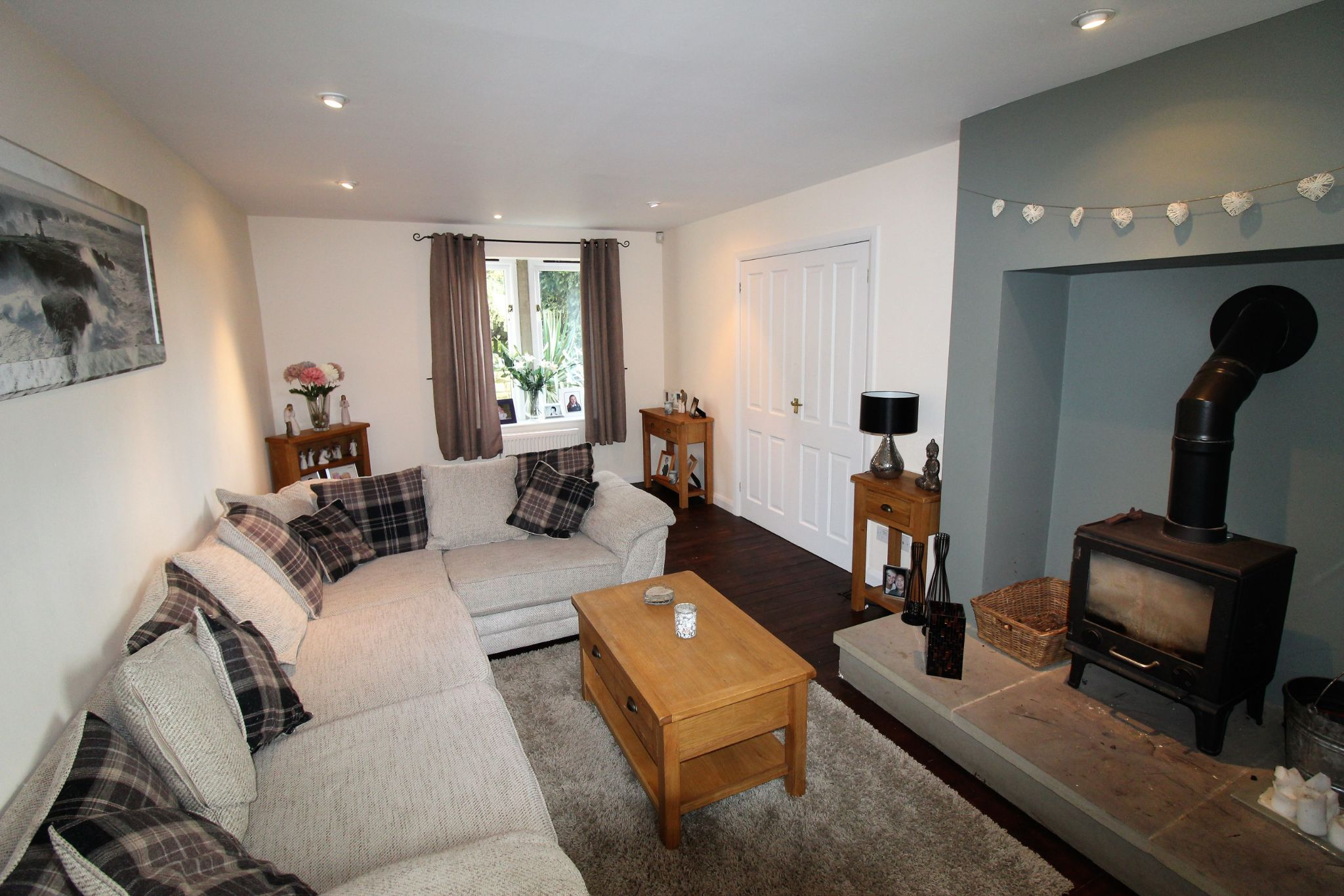 3 bedroom detached house Let in Brighouse - Family lounge area