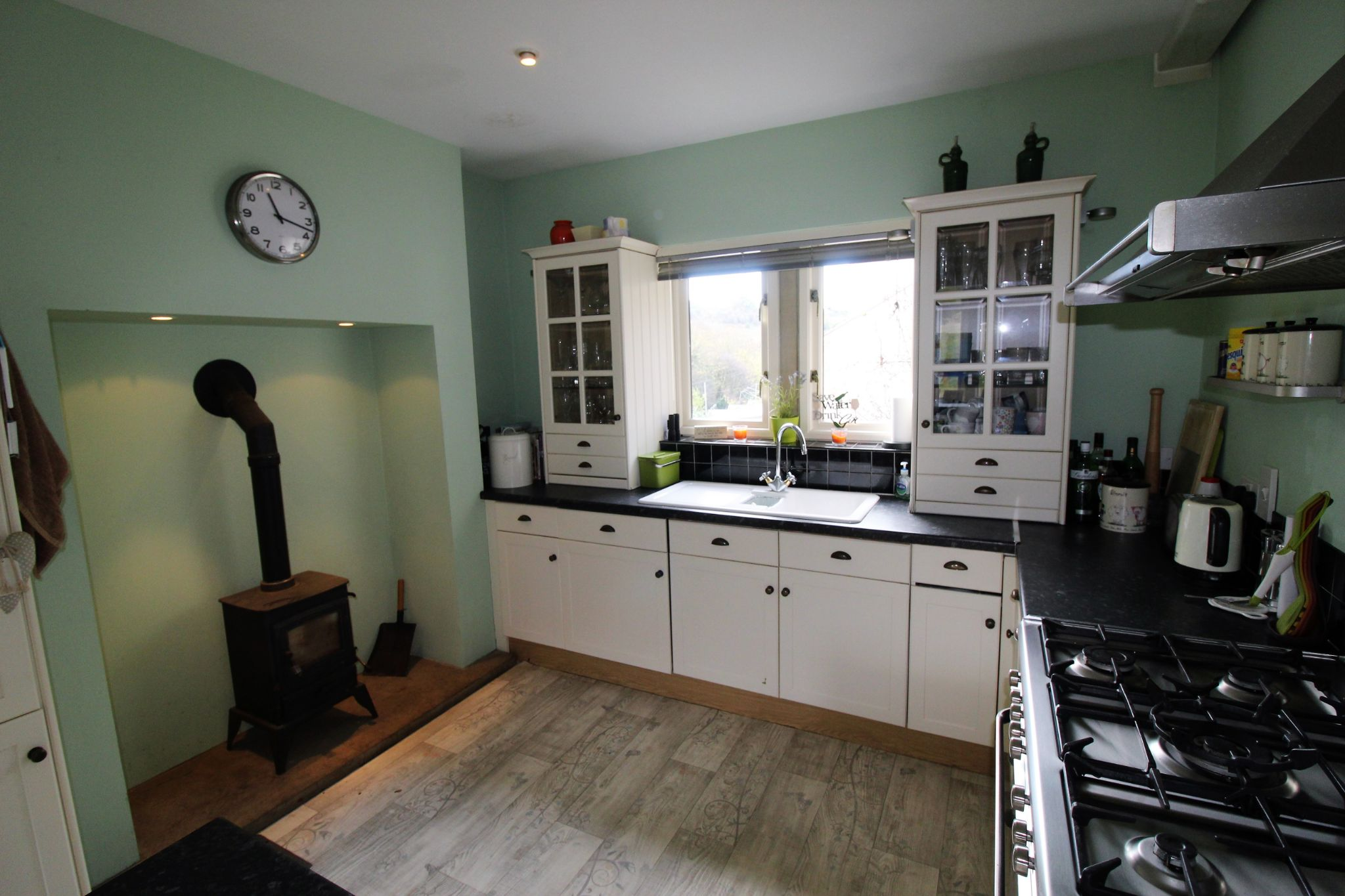 3 bedroom detached house Let in Brighouse - Kitchen