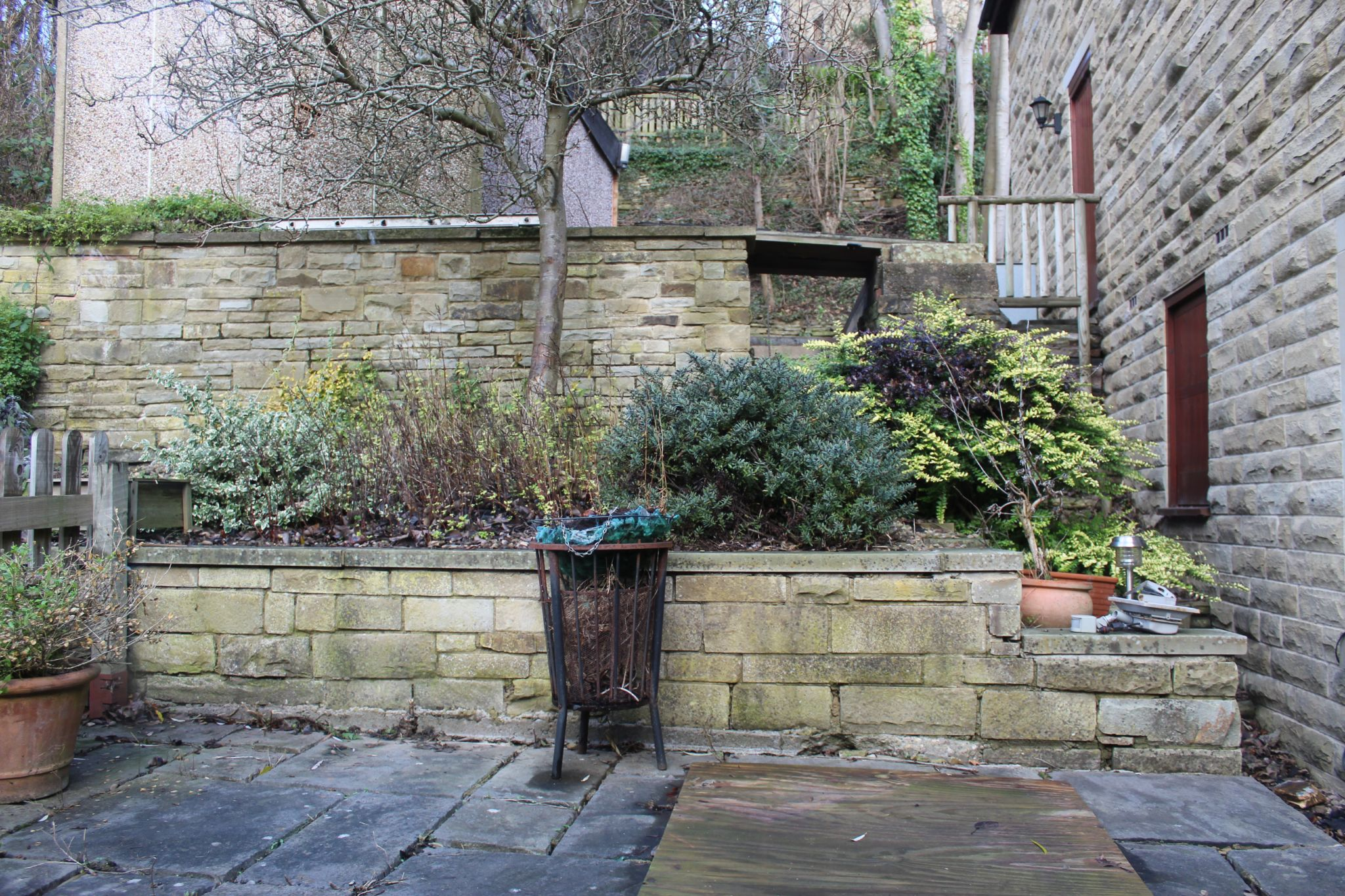 3 bedroom detached house Let in Brighouse - Garden