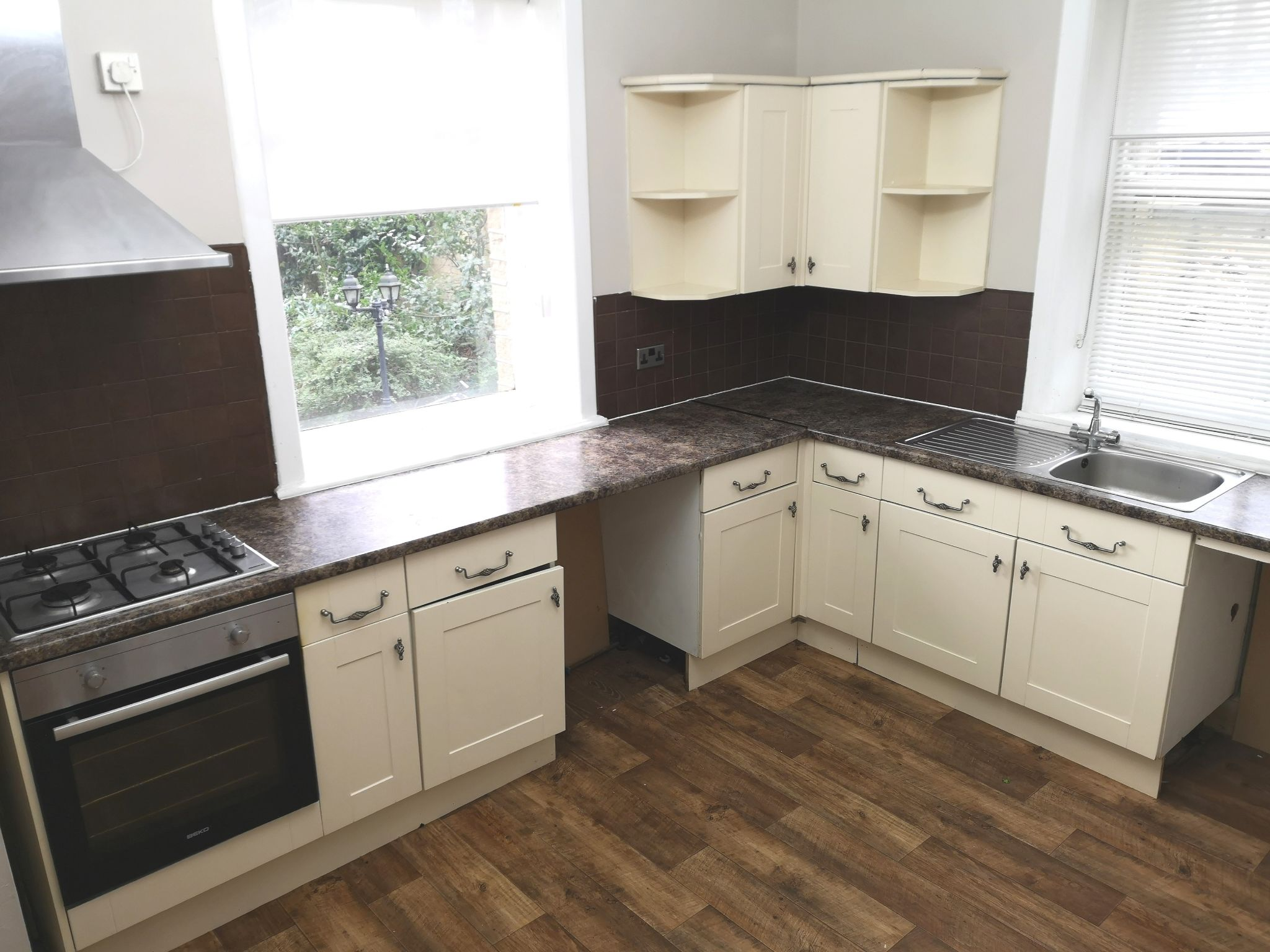 5 bedroom detached house For Sale in Huddersfield - Kitchen