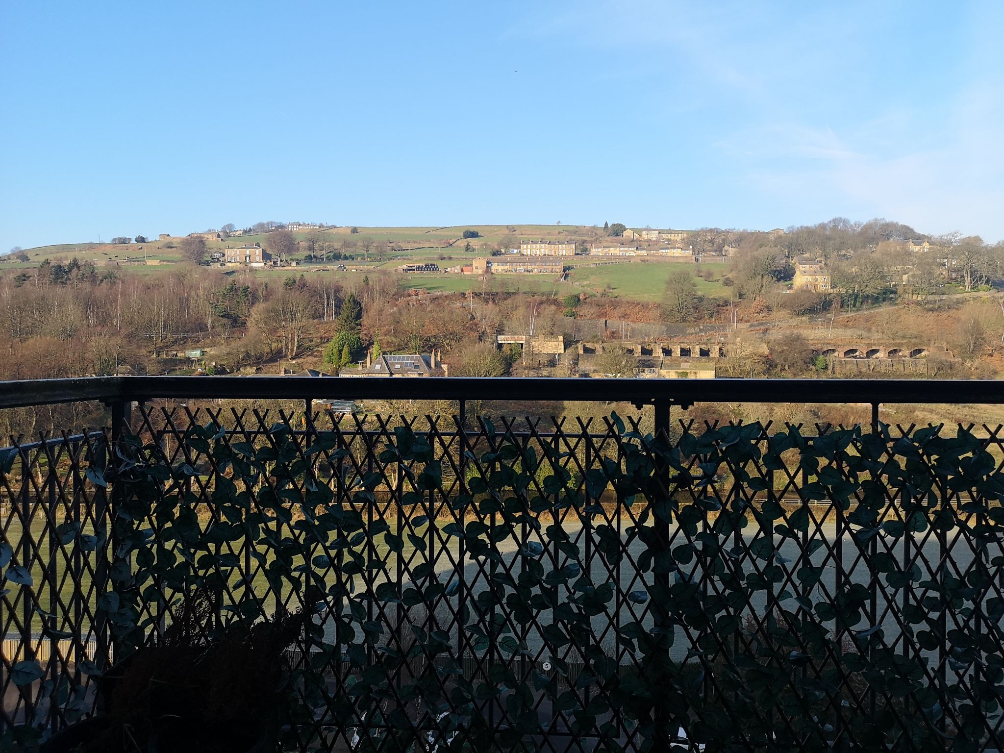 2 bedroom apartment flat/apartment Let in Huddersfield - Long Distance Views