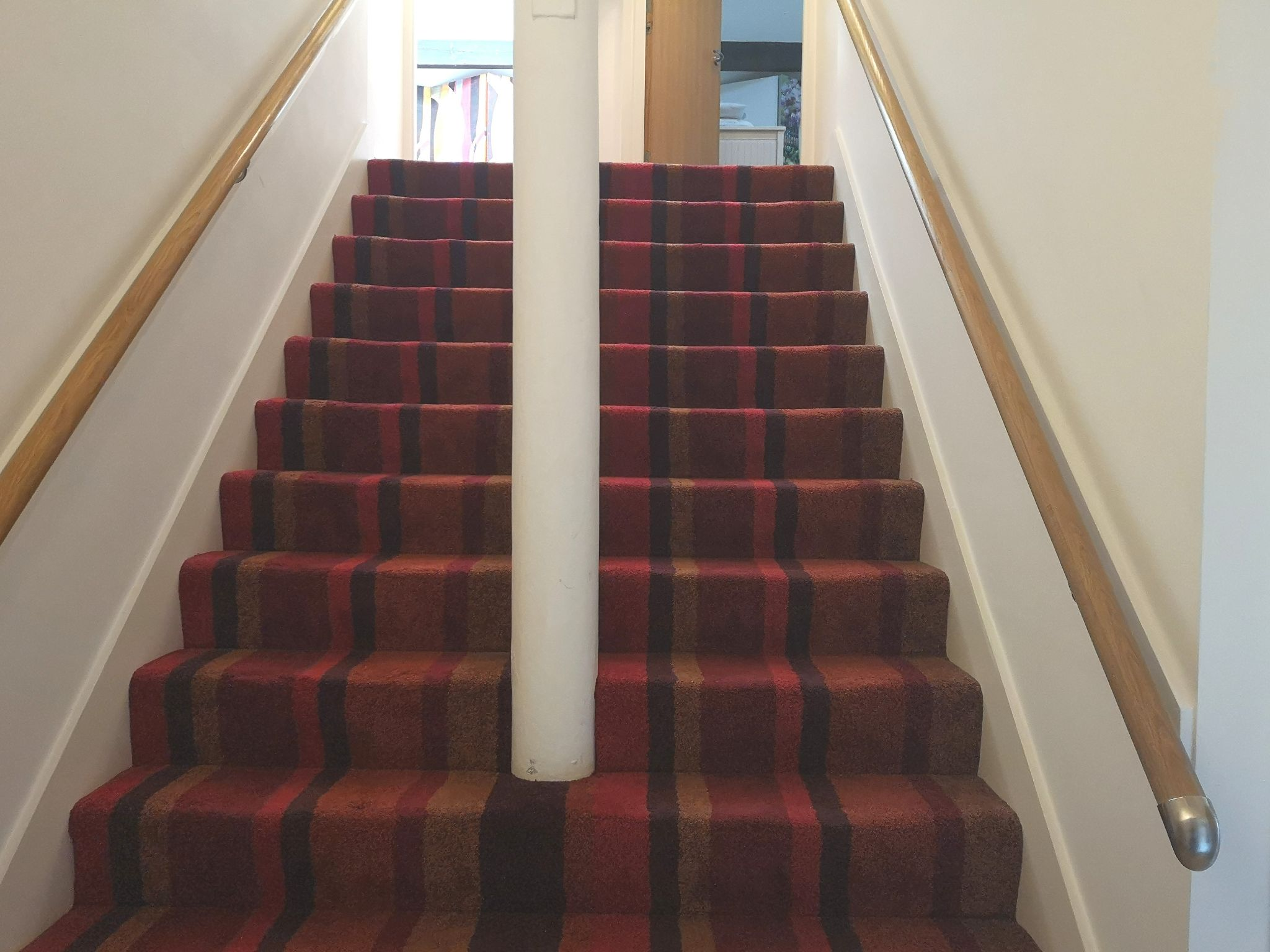 2 bedroom apartment flat/apartment Let in Huddersfield - Internal staircase