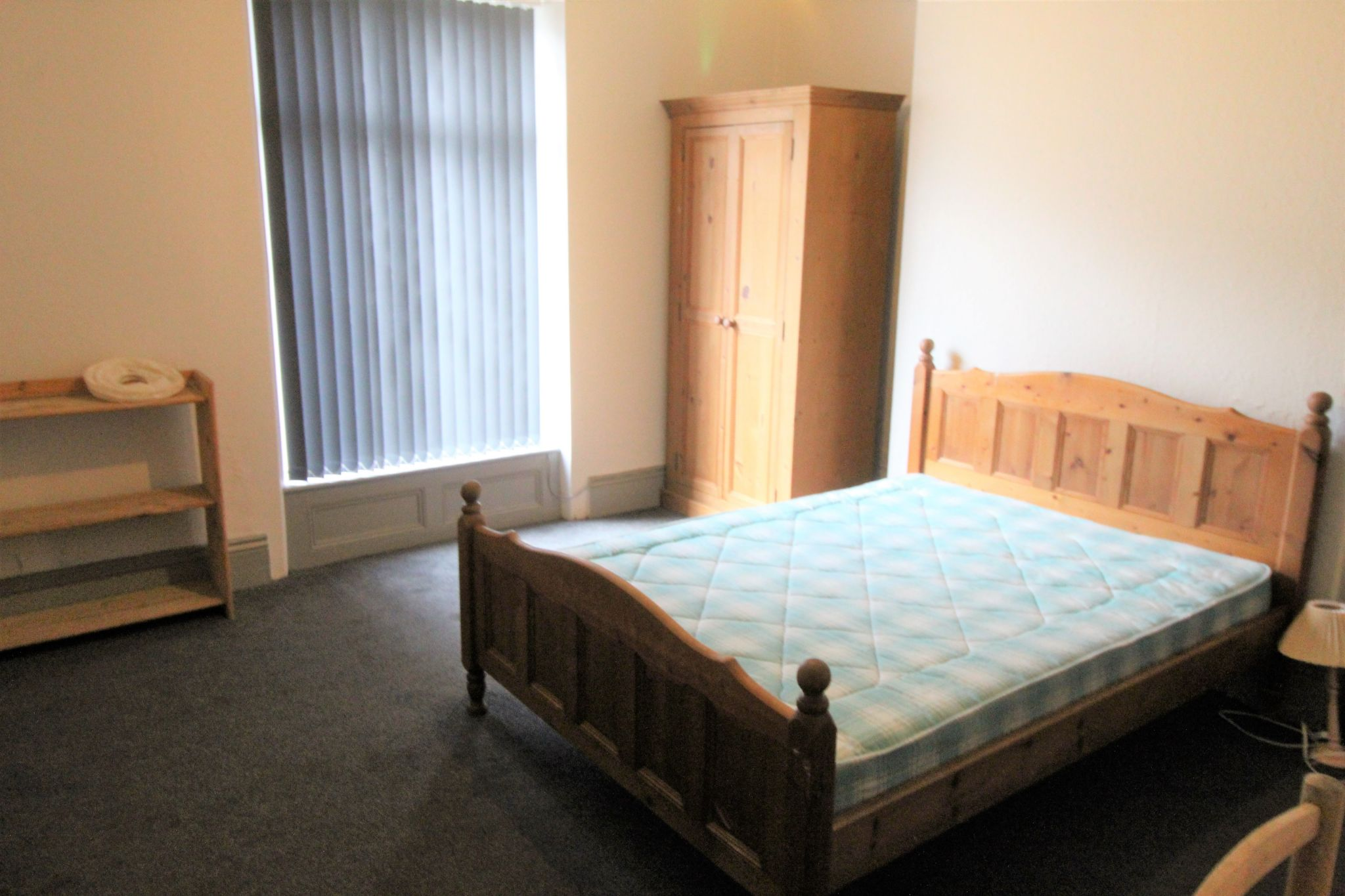 1 bedroom mid terraced house To Let in Huddersfield - Photograph 6
