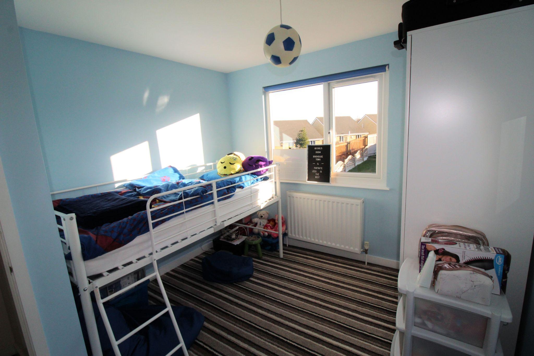 4 bedroom semi-detached bungalow SSTC in Brighouse - Bedroom 3