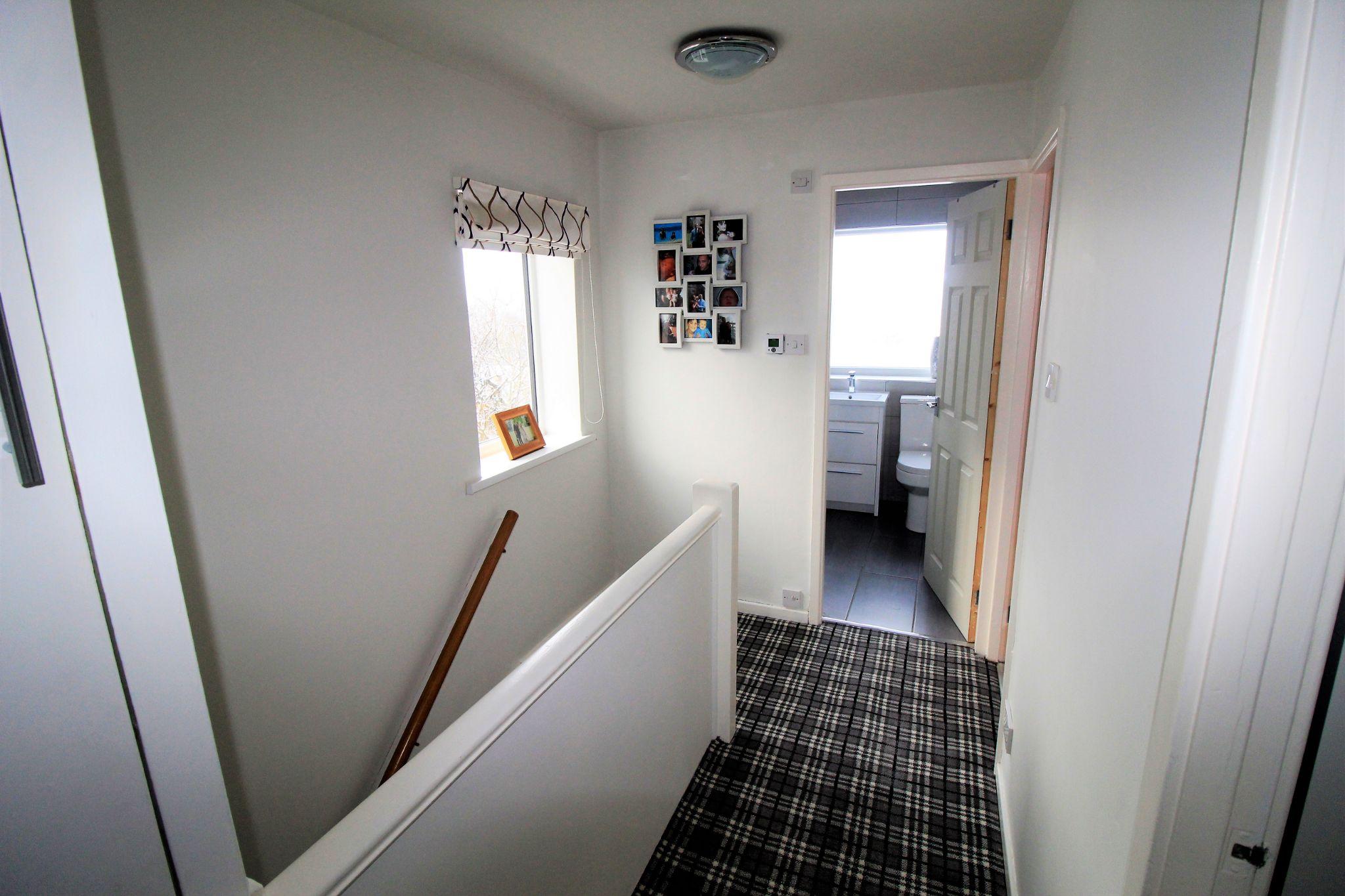 3 bedroom semi-detached house SSTC in Shipley - Landing
