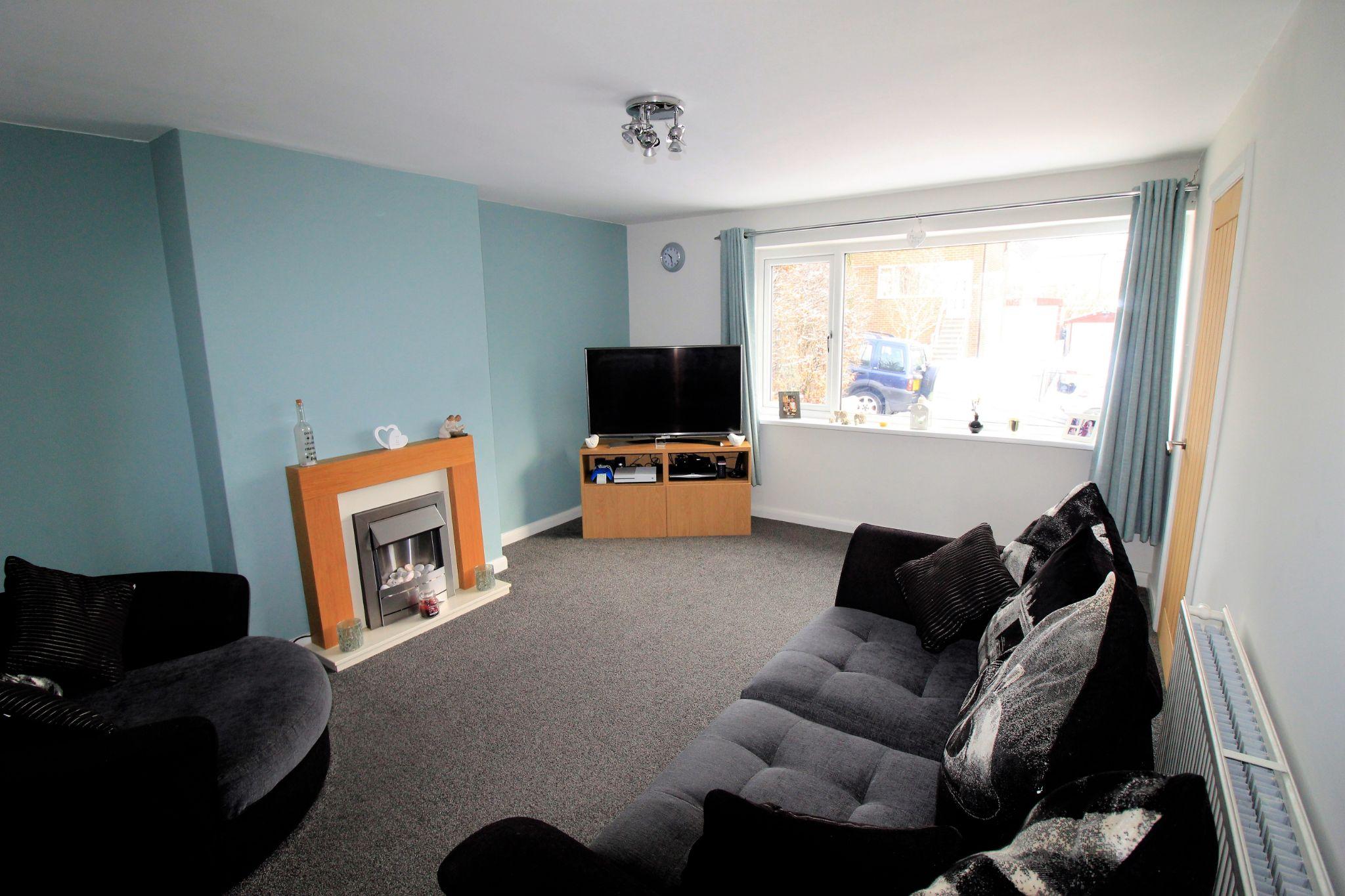 3 bedroom semi-detached house SSTC in Shipley - Lounge
