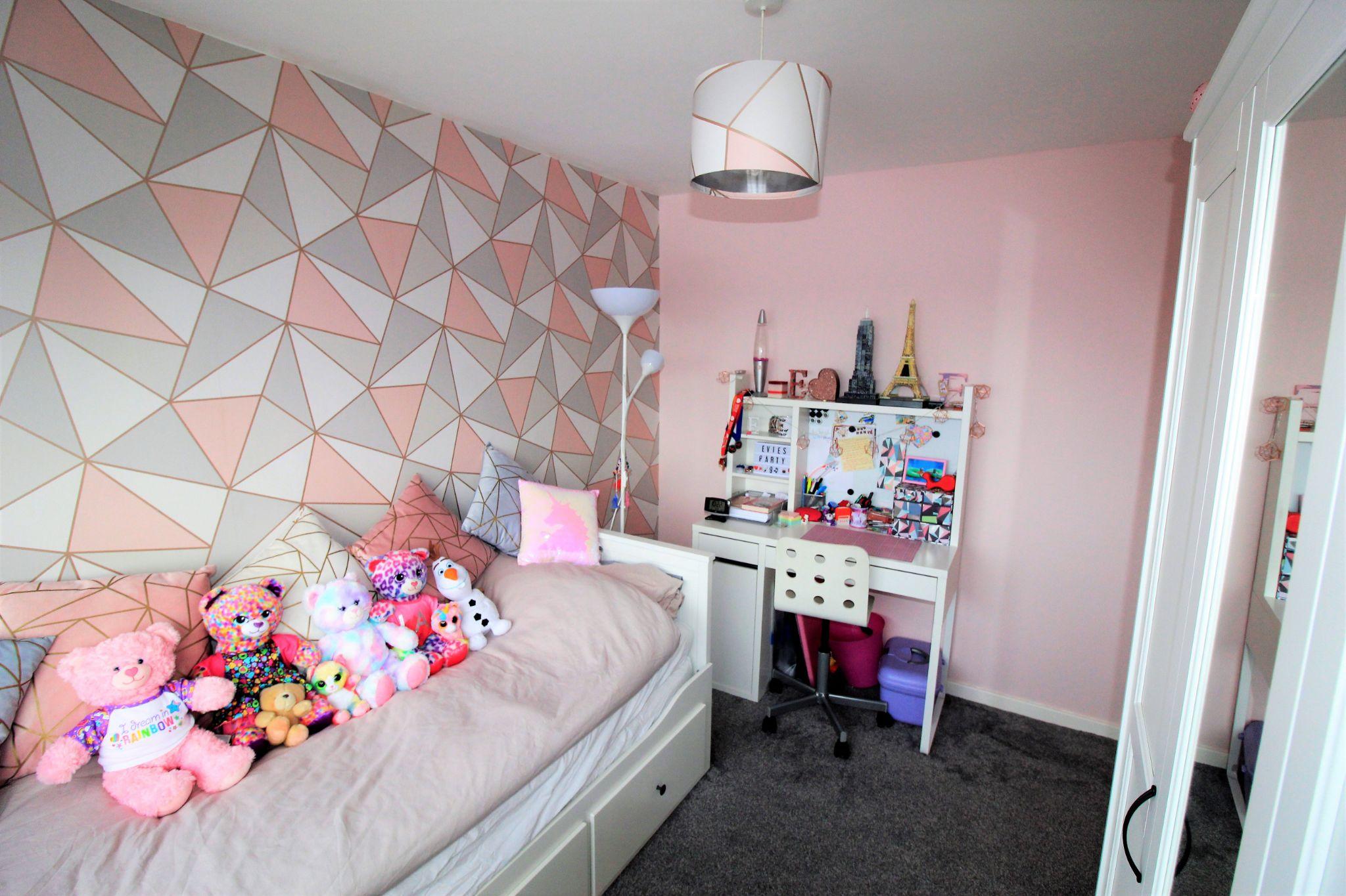 3 bedroom semi-detached house SSTC in Shipley - Bedroom 2