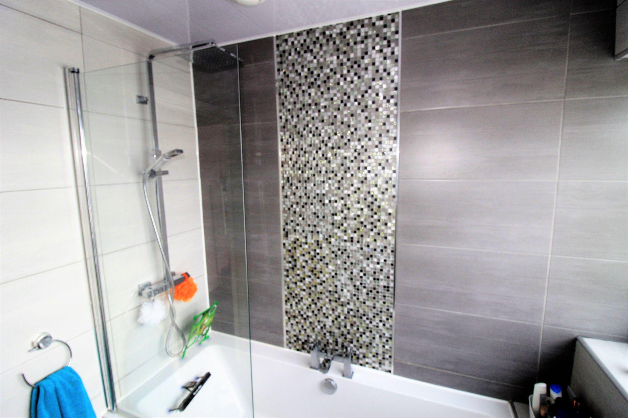 3 bedroom semi-detached house SSTC in Shipley - Bathroom