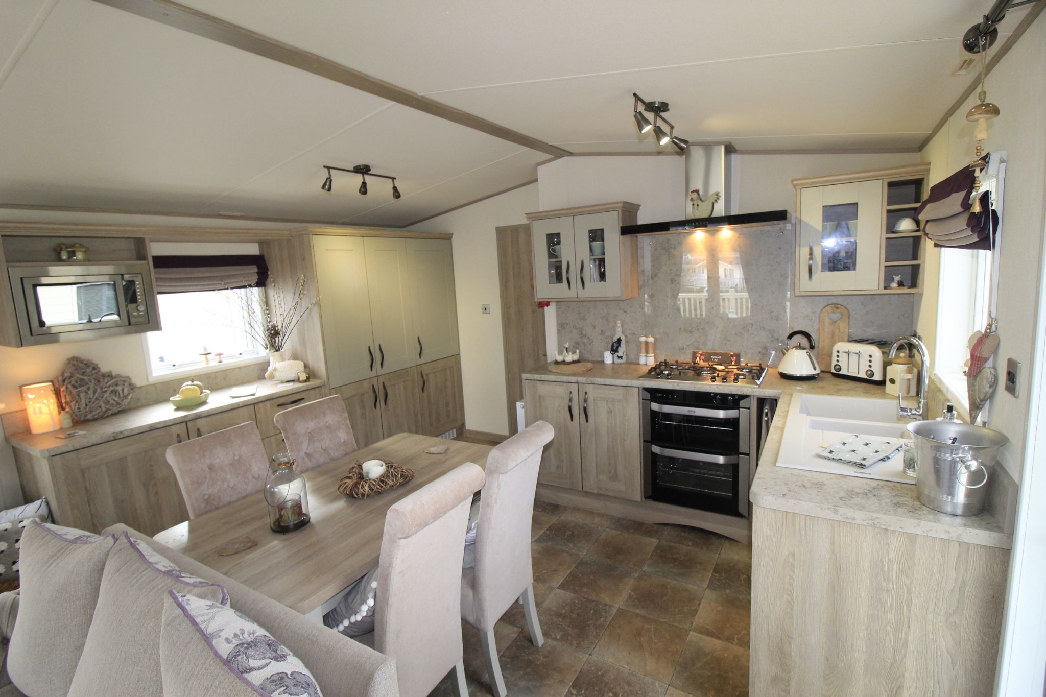 2 bedroom lodge character property For Sale in Paythorne - Property photograph