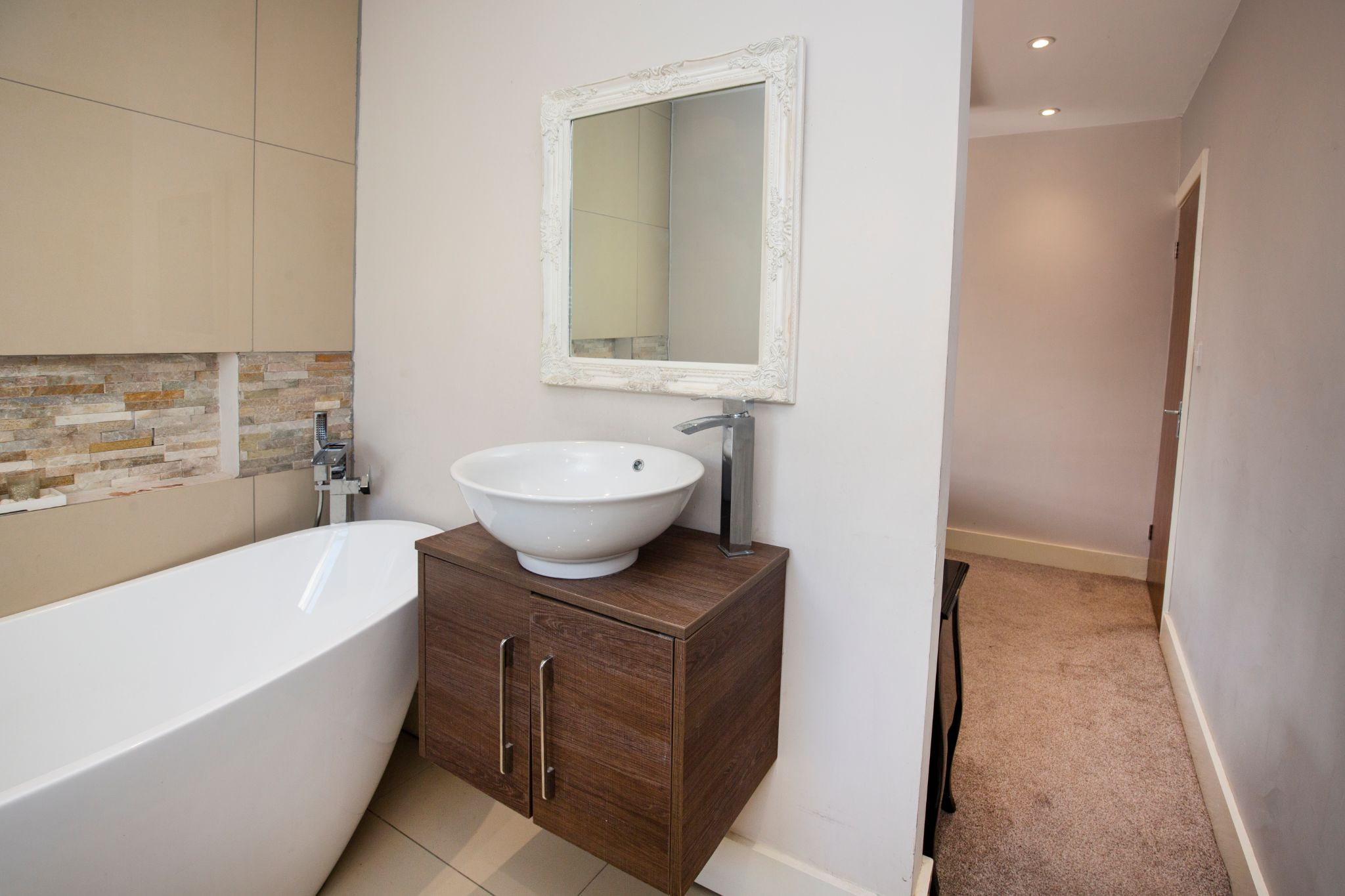 4 bedroom detached house For Sale in Brighouse - En-suite bathroom