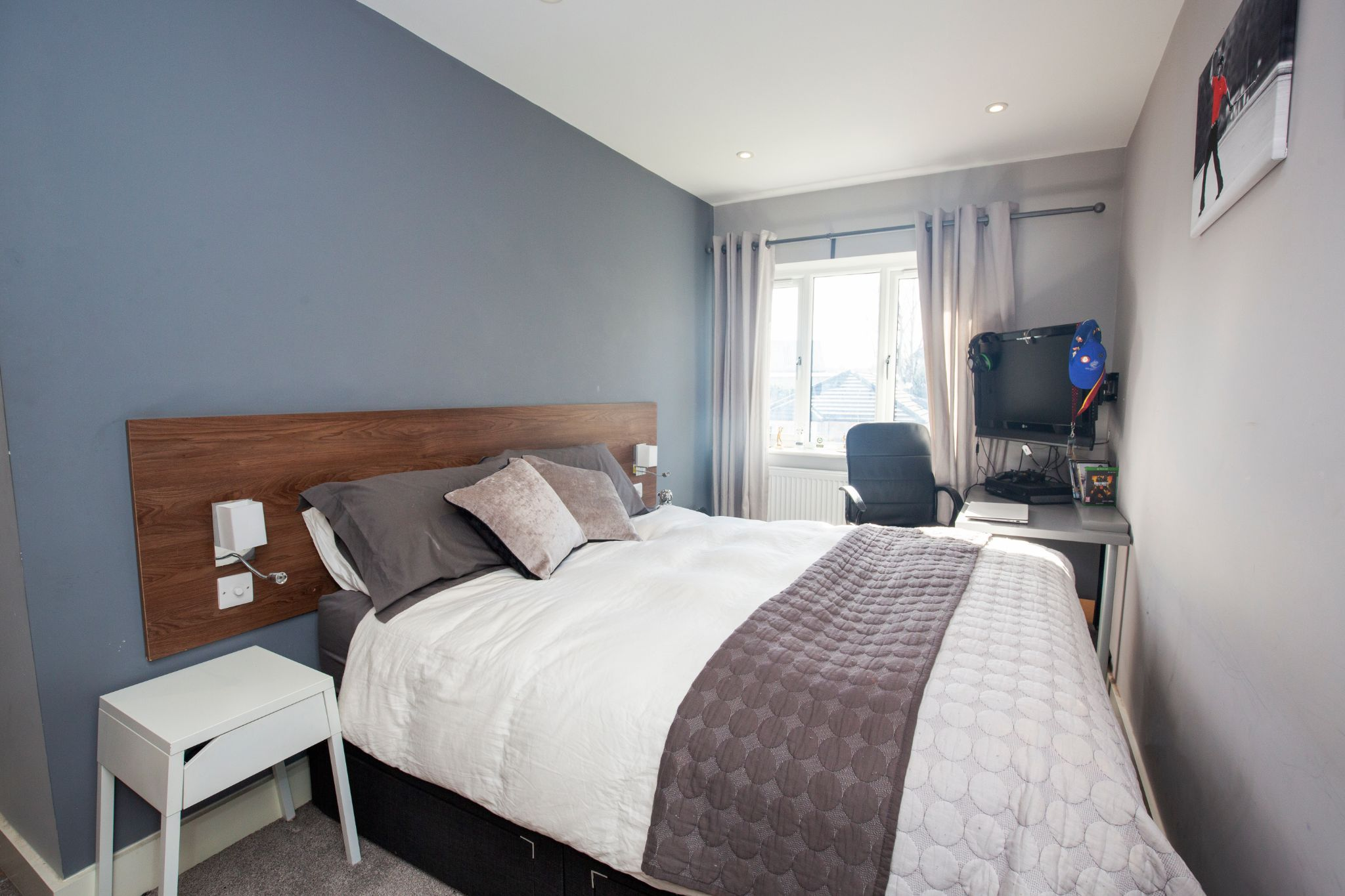 4 bedroom detached house For Sale in Brighouse - Bedroom 2