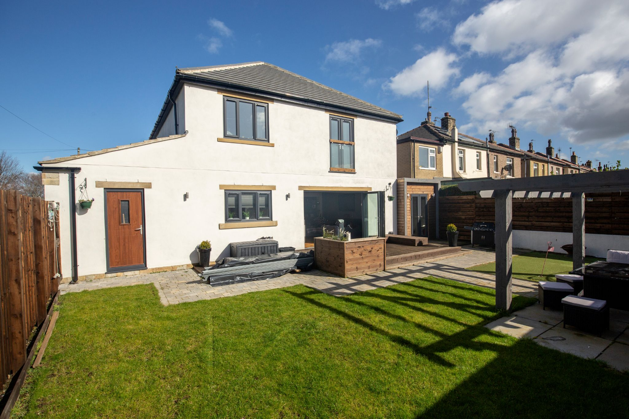 4 bedroom detached house Sold in Brighouse - Rear elevation