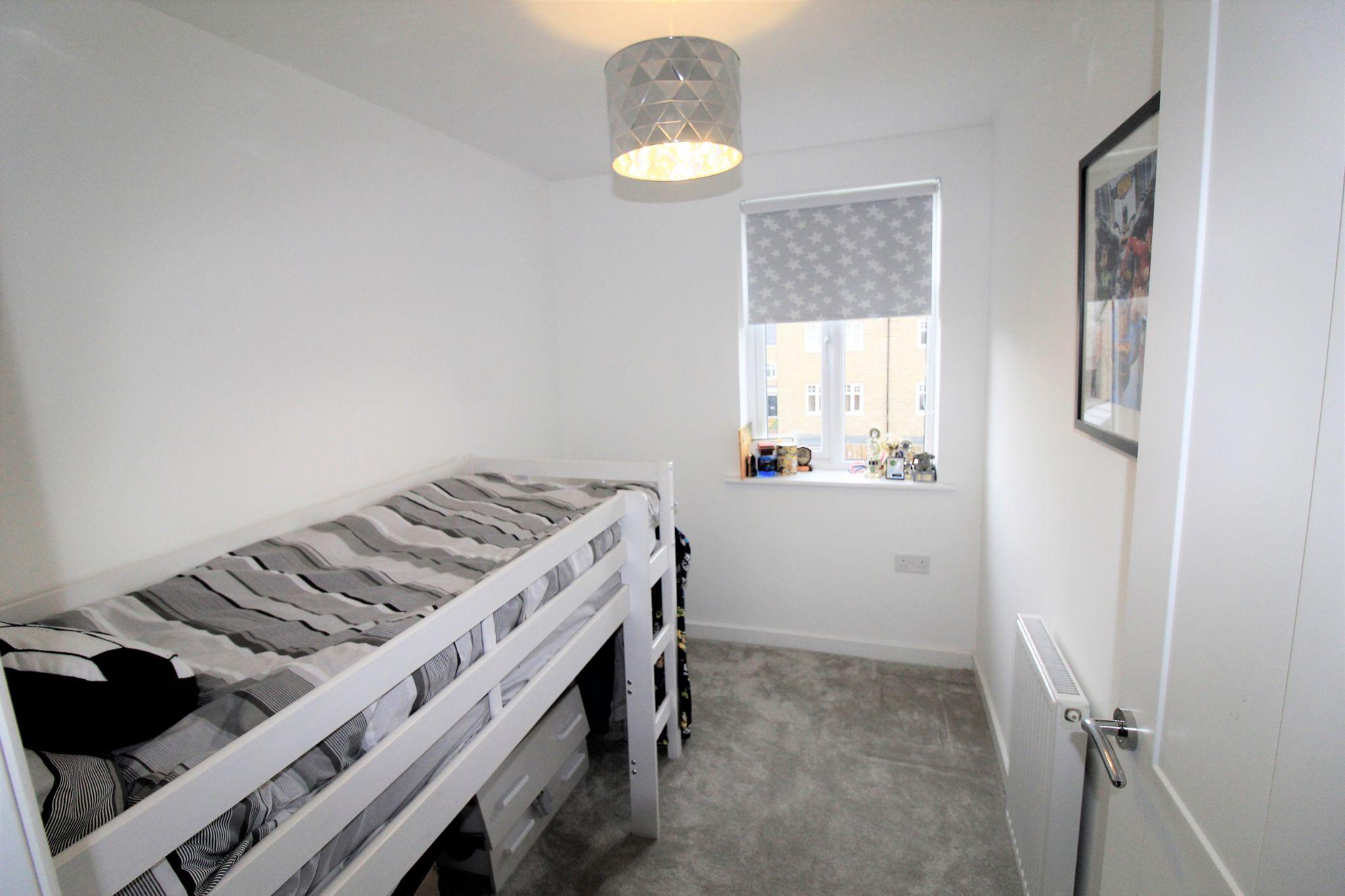 4 bedroom semi-detached house For Sale in Halifax - Bedroom 4