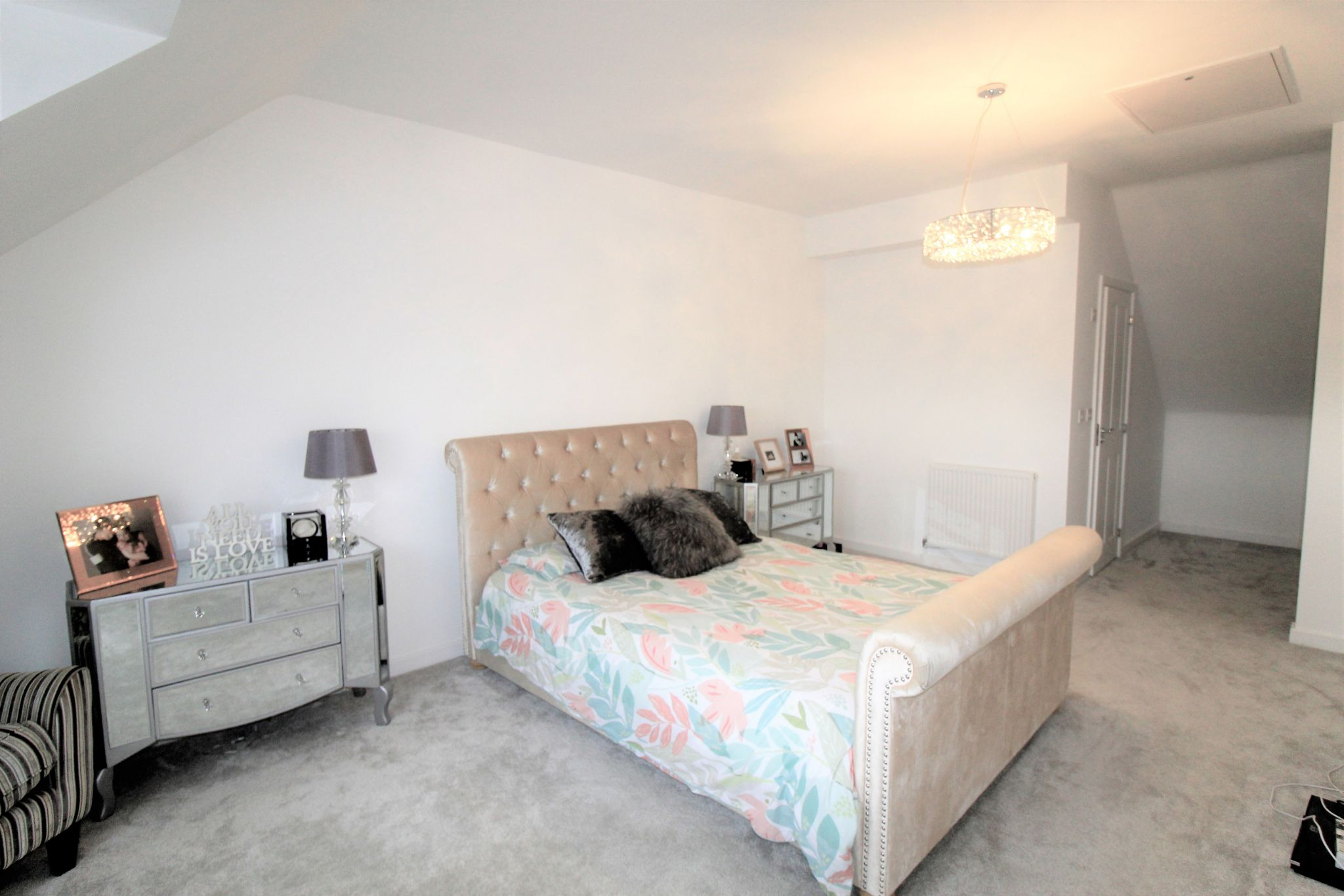 4 bedroom semi-detached house For Sale in Halifax - Master bedroom
