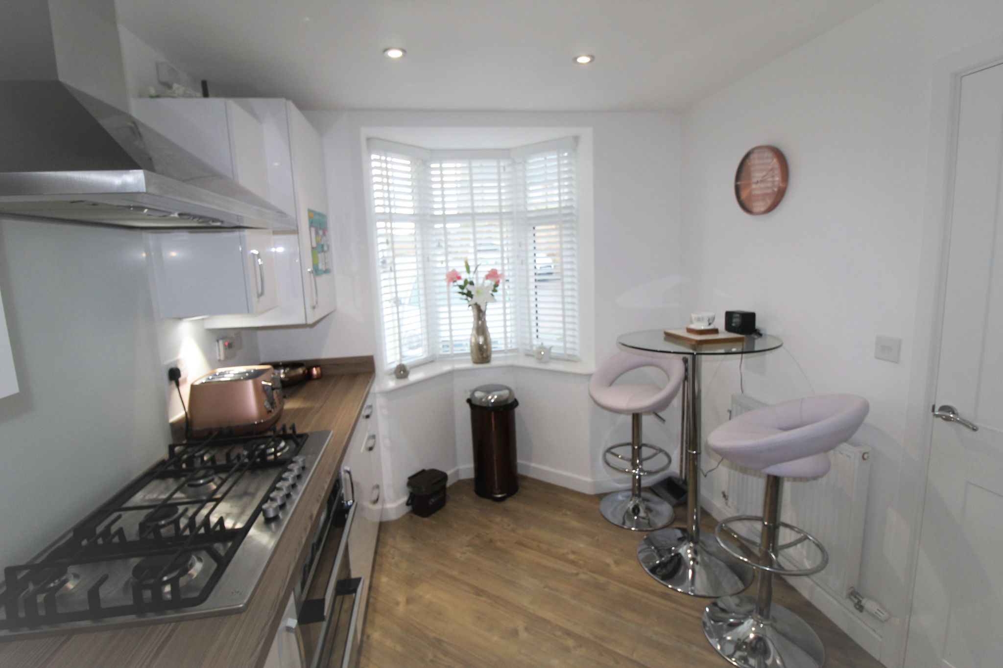 4 bedroom semi-detached house For Sale in Halifax - Kitchen