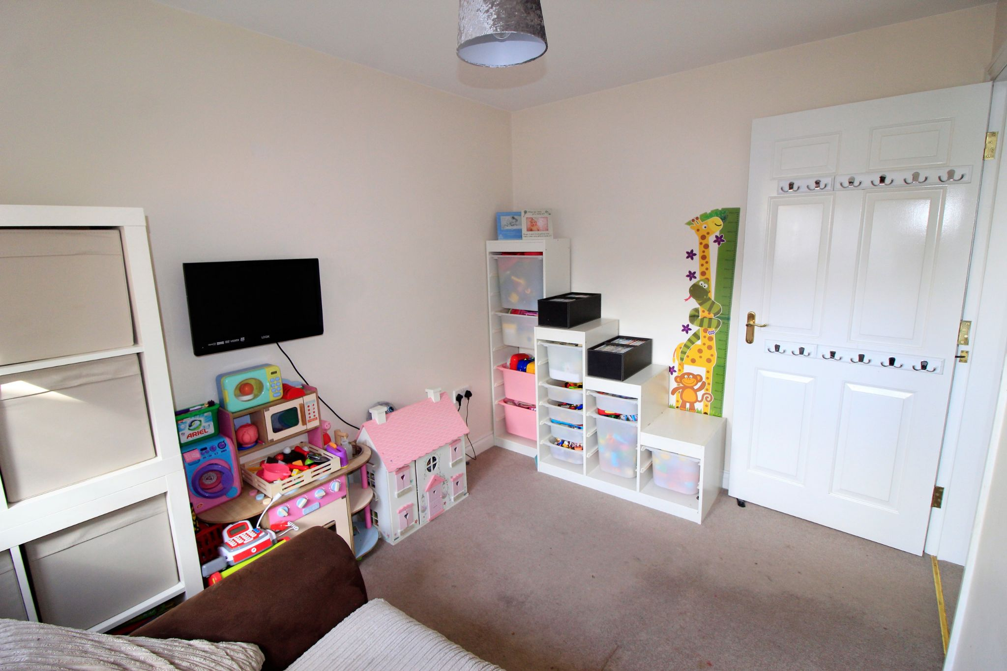 4 bedroom semi-detached house For Sale in Brighouse - Photograph 13