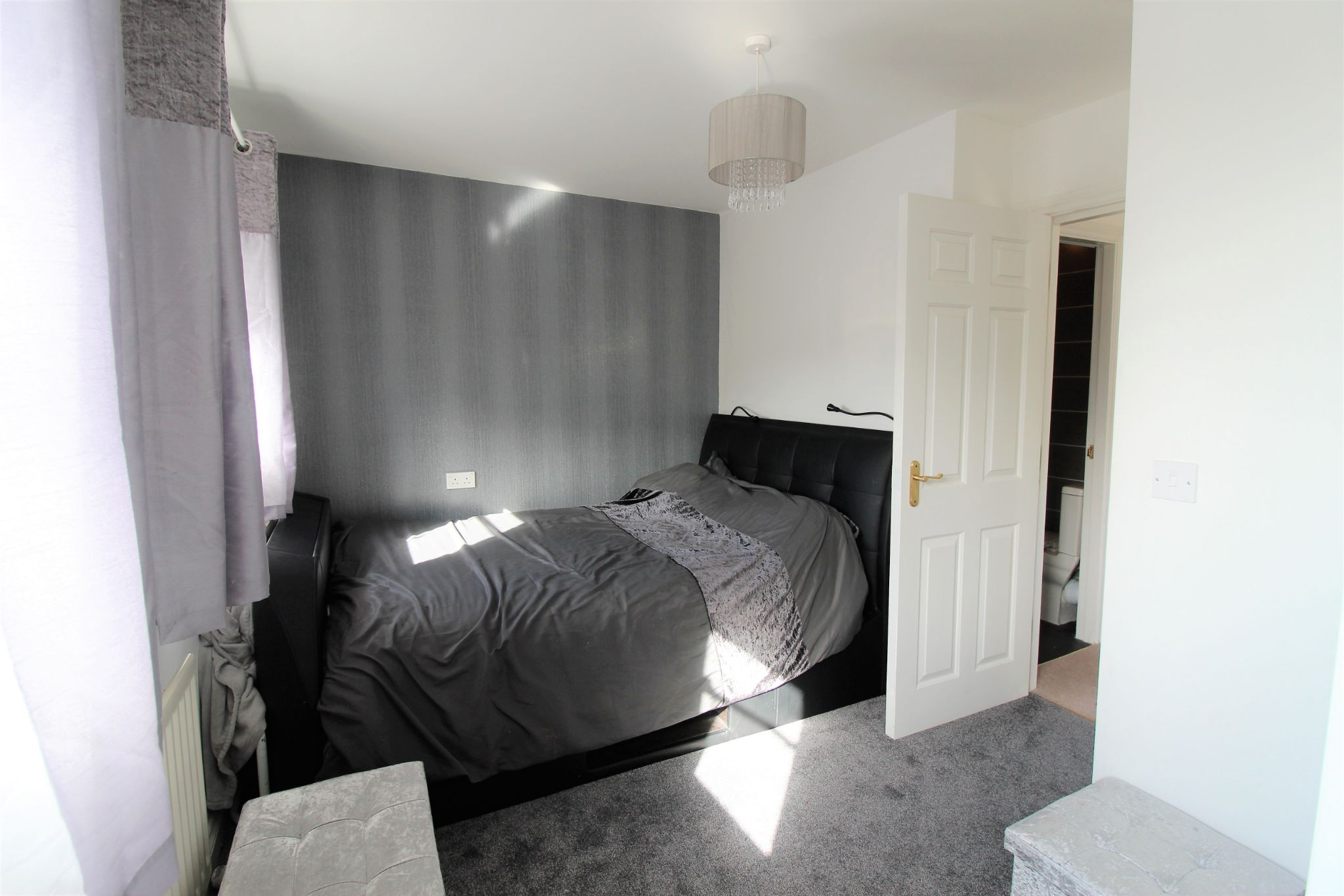 4 bedroom semi-detached house For Sale in Brighouse - Photograph 18