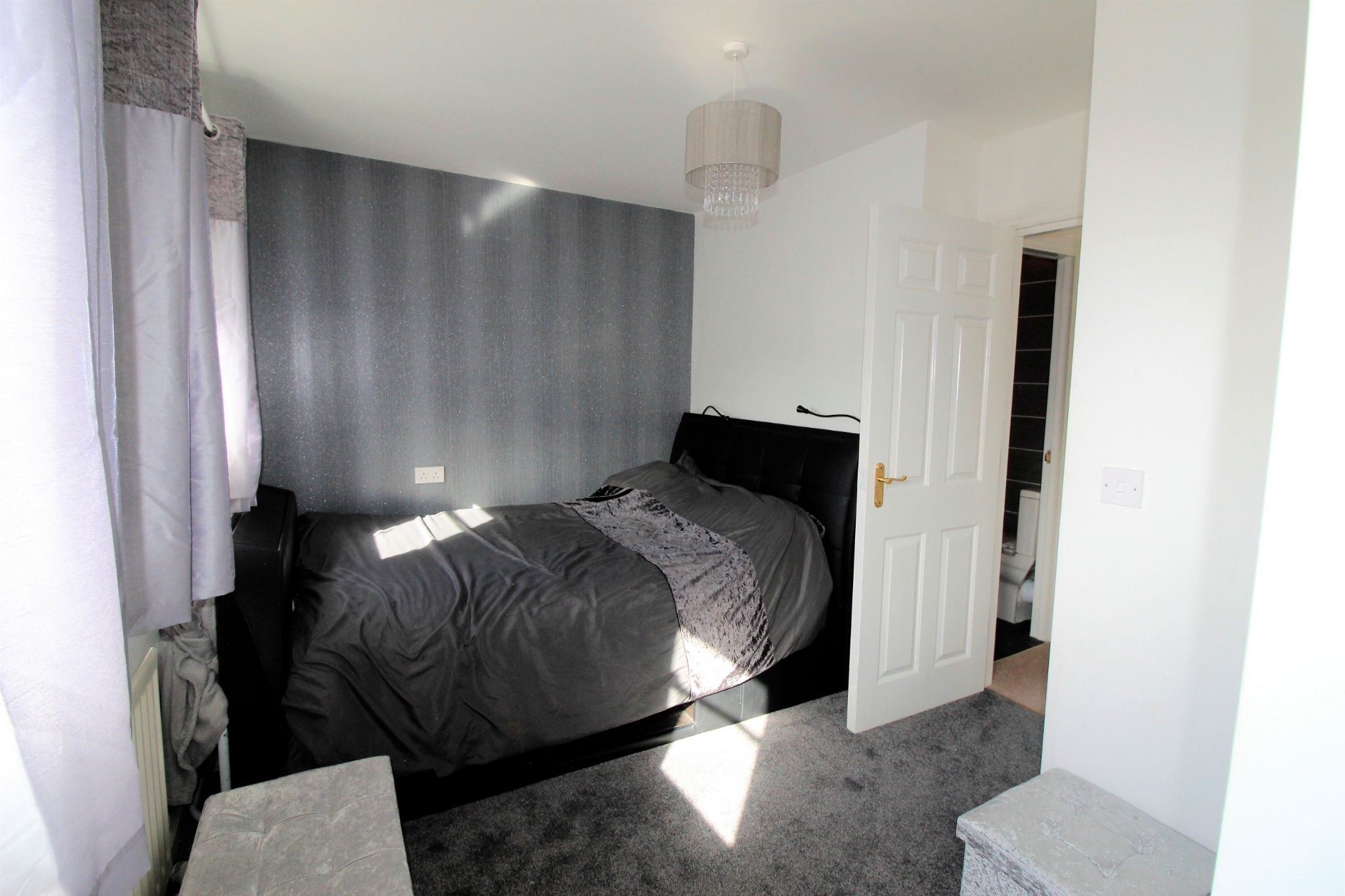 4 bedroom semi-detached house For Sale in Brighouse - Photograph 5