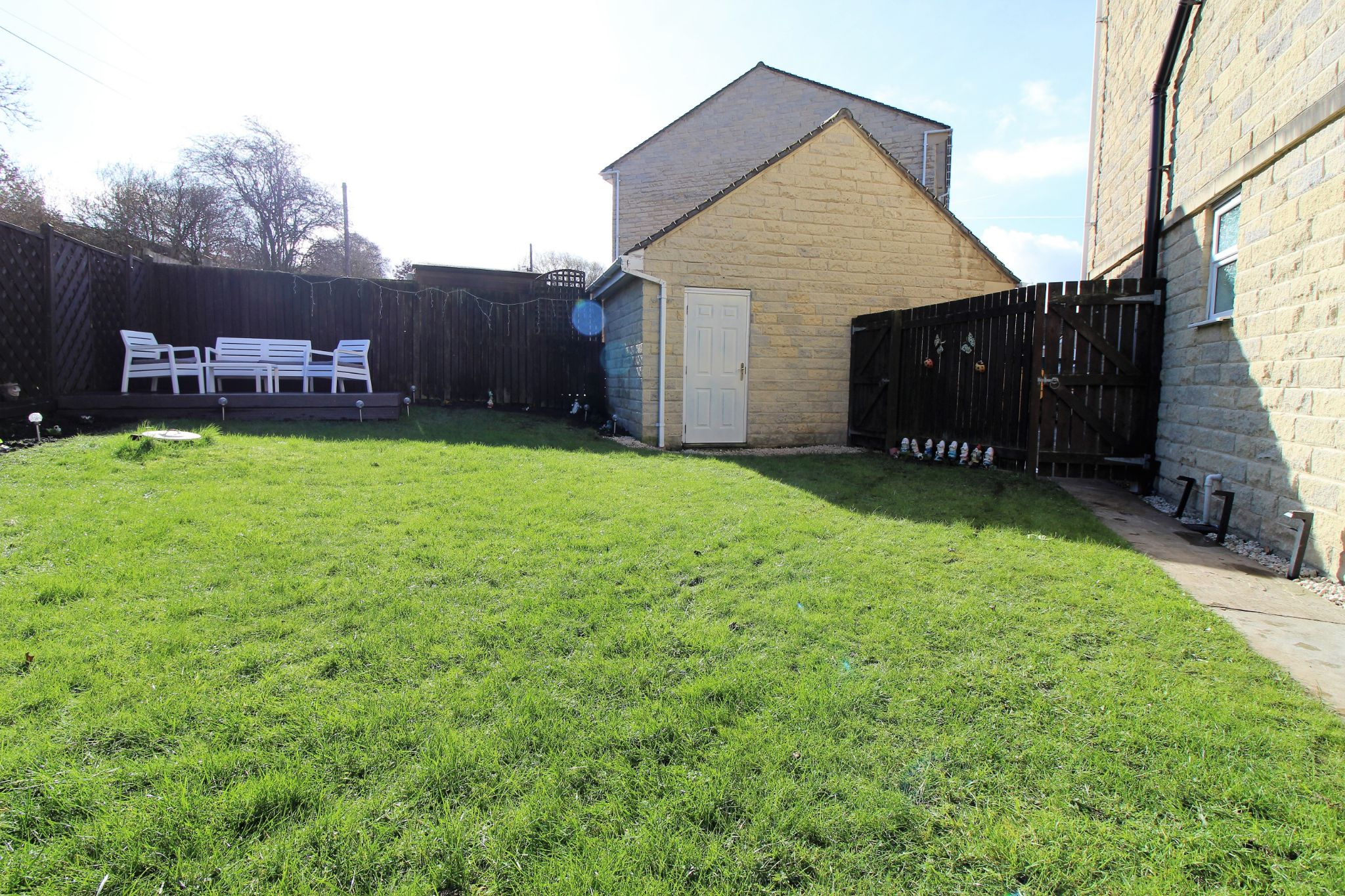 4 bedroom semi-detached house For Sale in Brighouse - Photograph 28