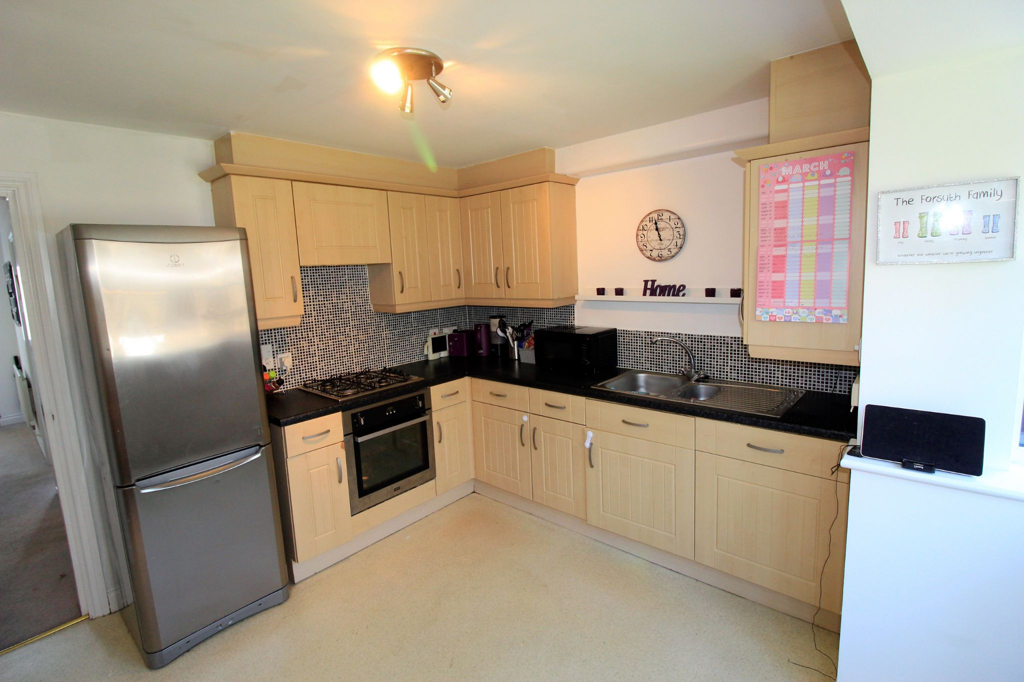 4 bedroom semi-detached house For Sale in Brighouse - Photograph 4