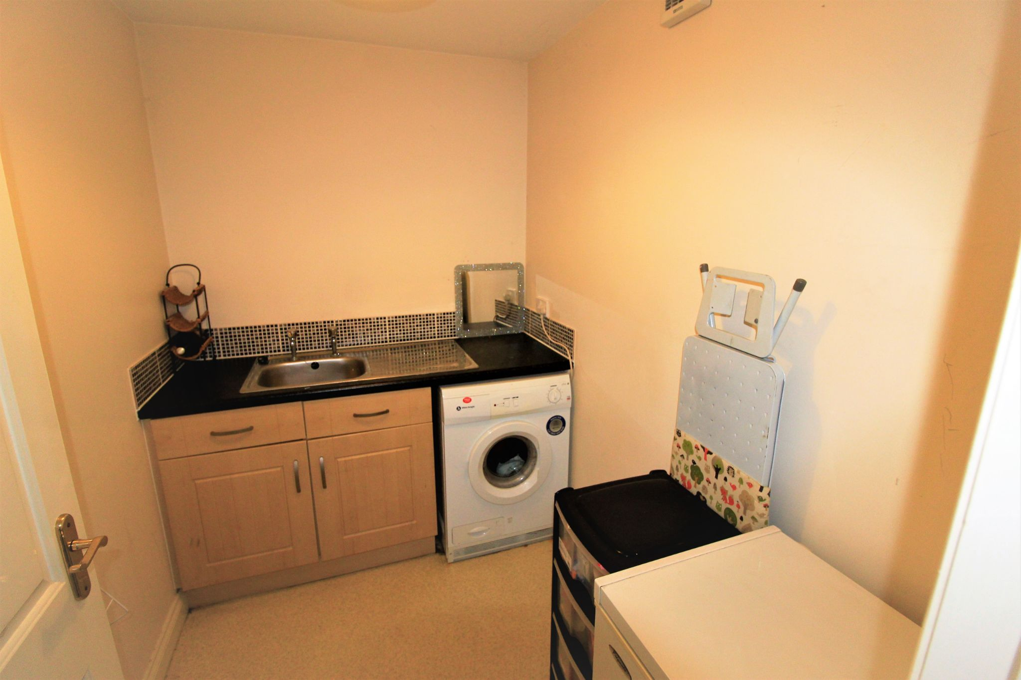 4 bedroom semi-detached house For Sale in Brighouse - Photograph 11