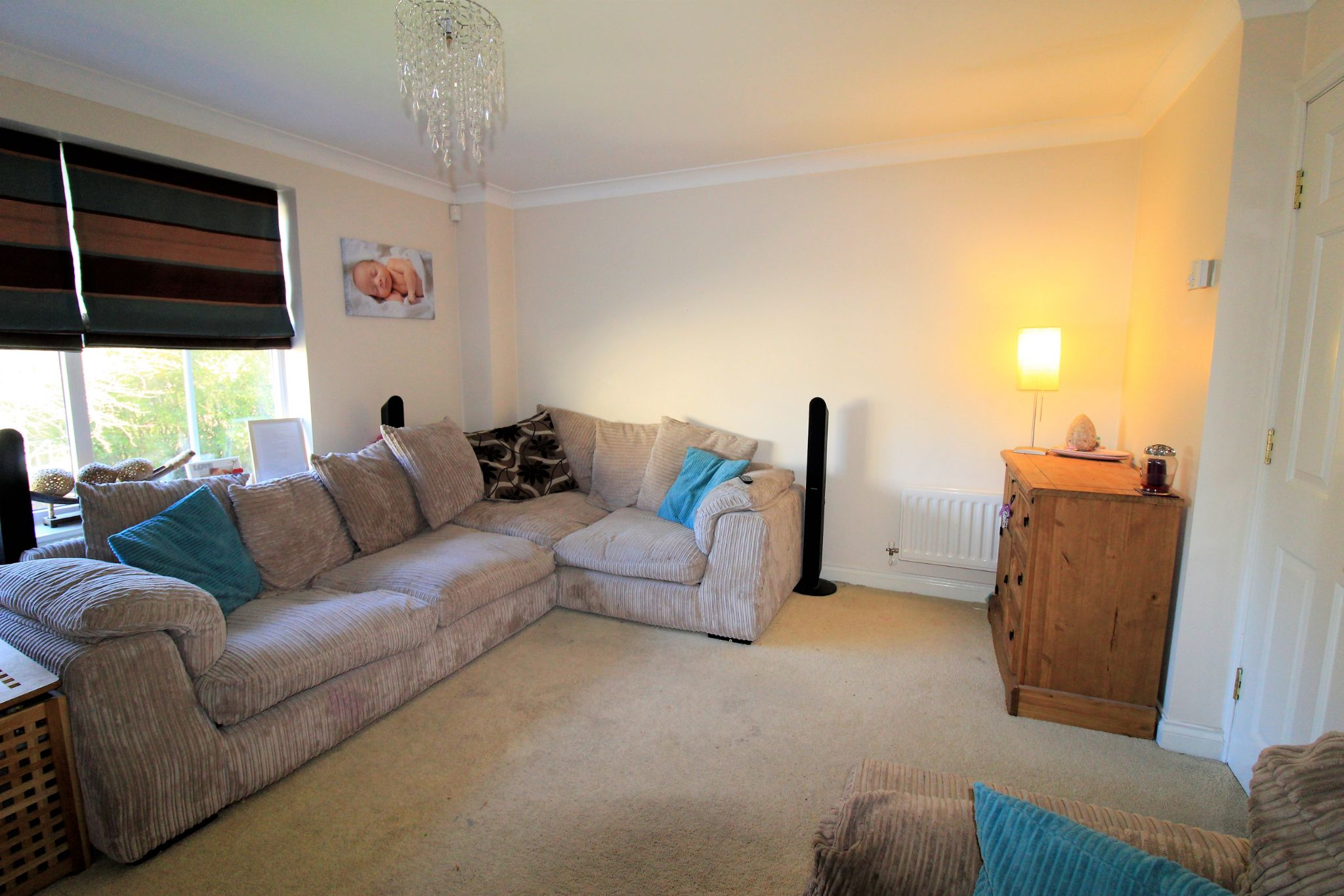 4 bedroom semi-detached house For Sale in Brighouse - Photograph 8
