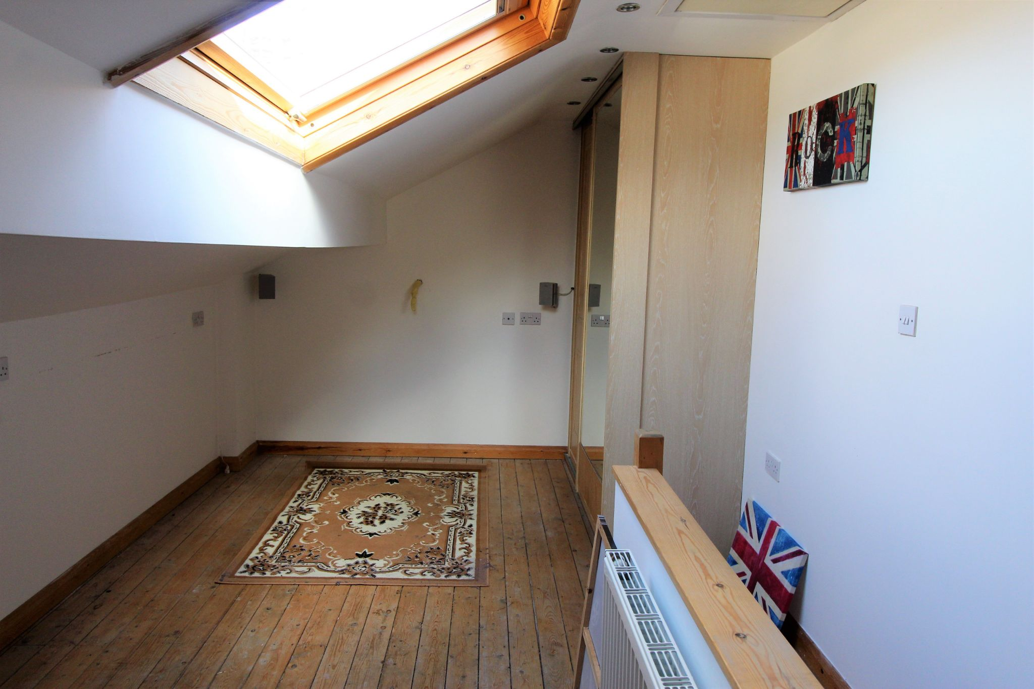 3 bedroom mid terraced house Let Agreed in Brighouse - Bedroom 2
