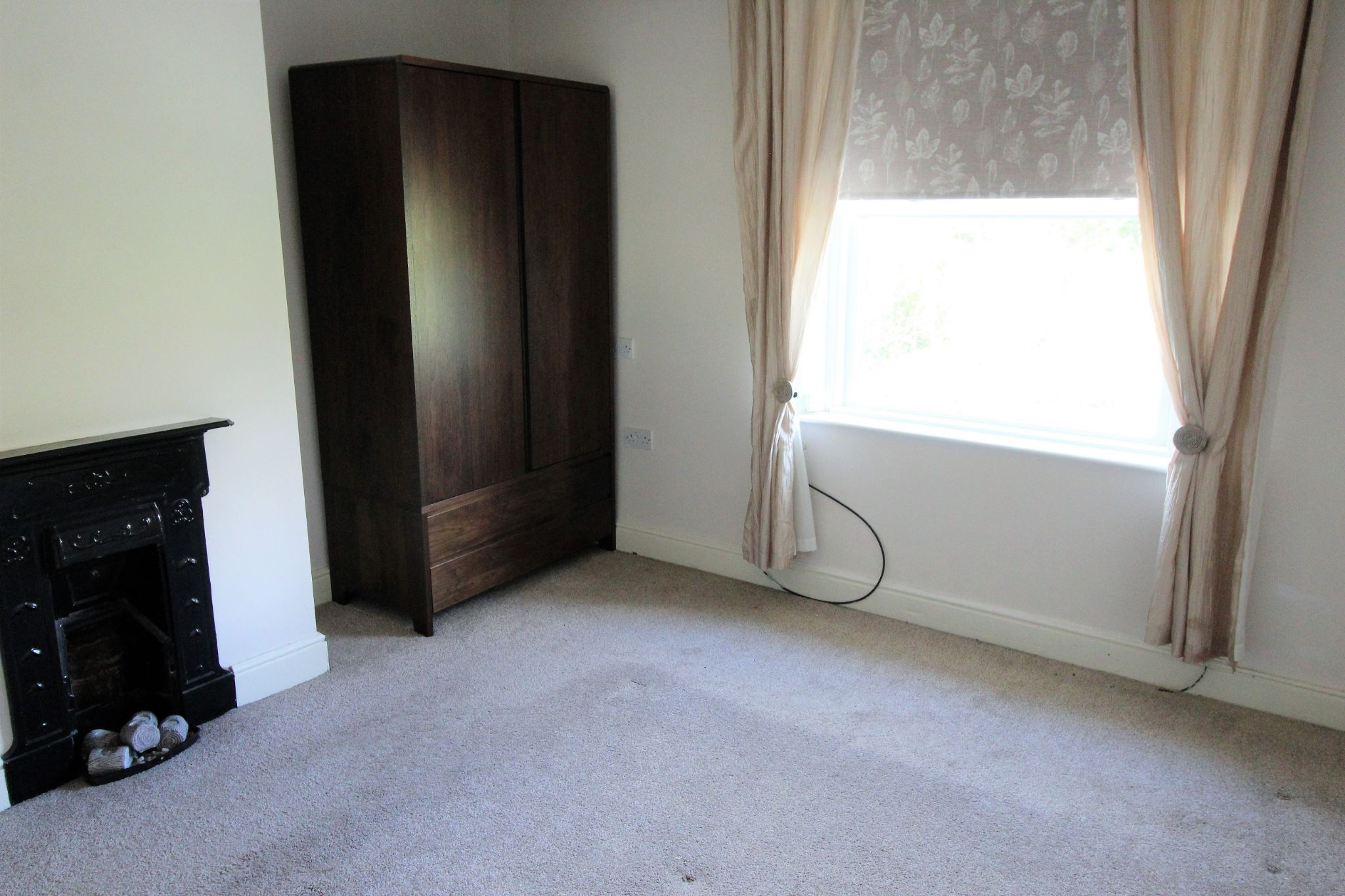 3 bedroom mid terraced house Let Agreed in Brighouse - Bedroom 1